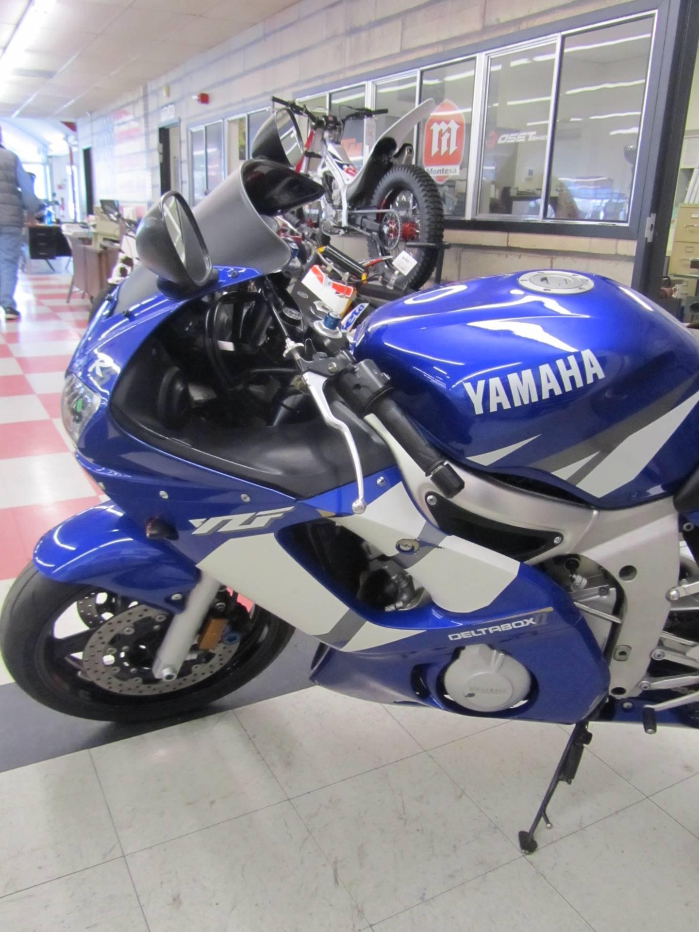 2002 Yamaha YZFR6 3