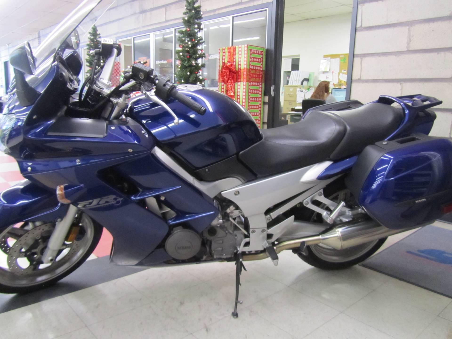 2005 Yamaha FJR 1300A 1