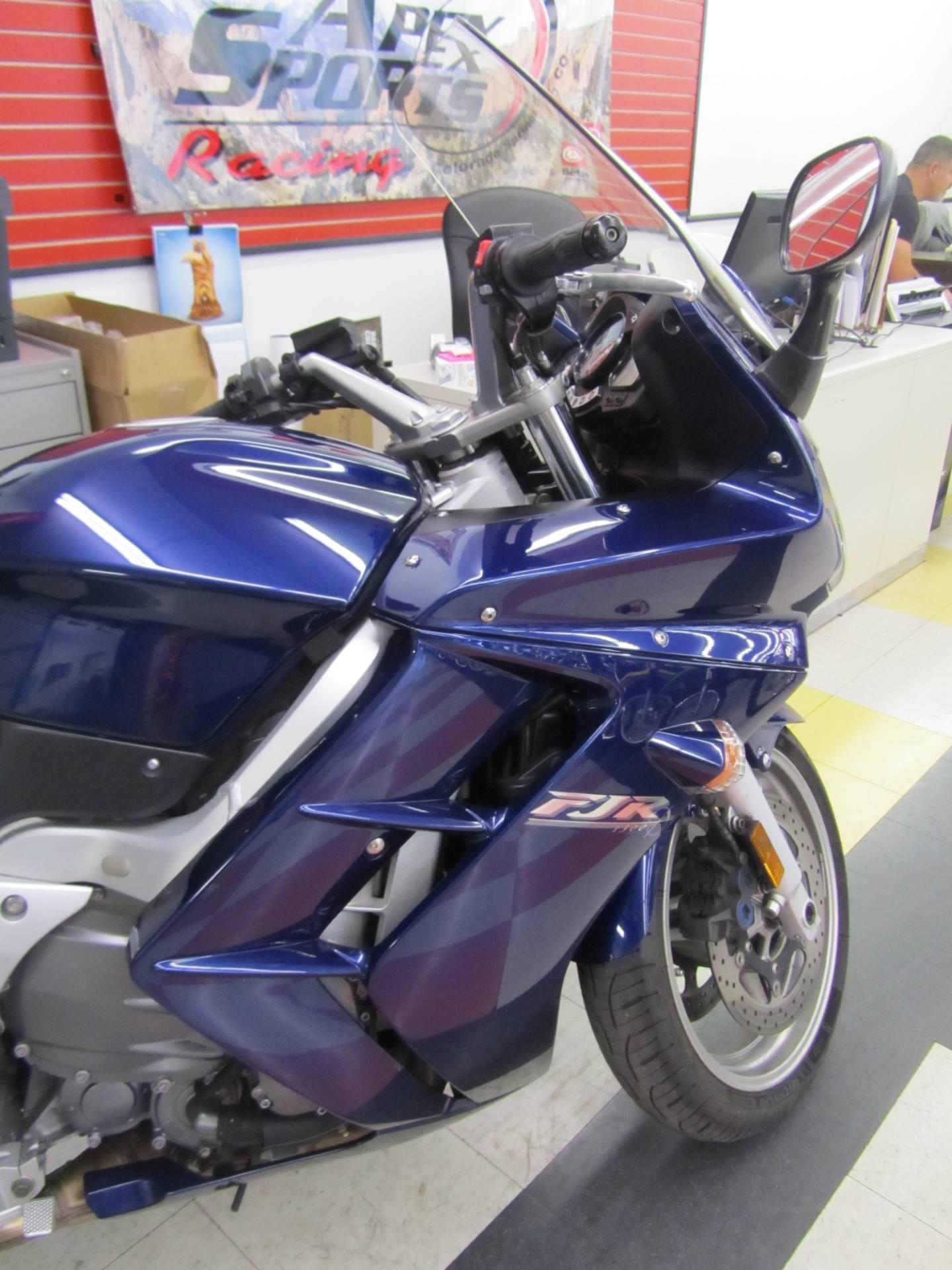 2005 Yamaha FJR 1300A 6