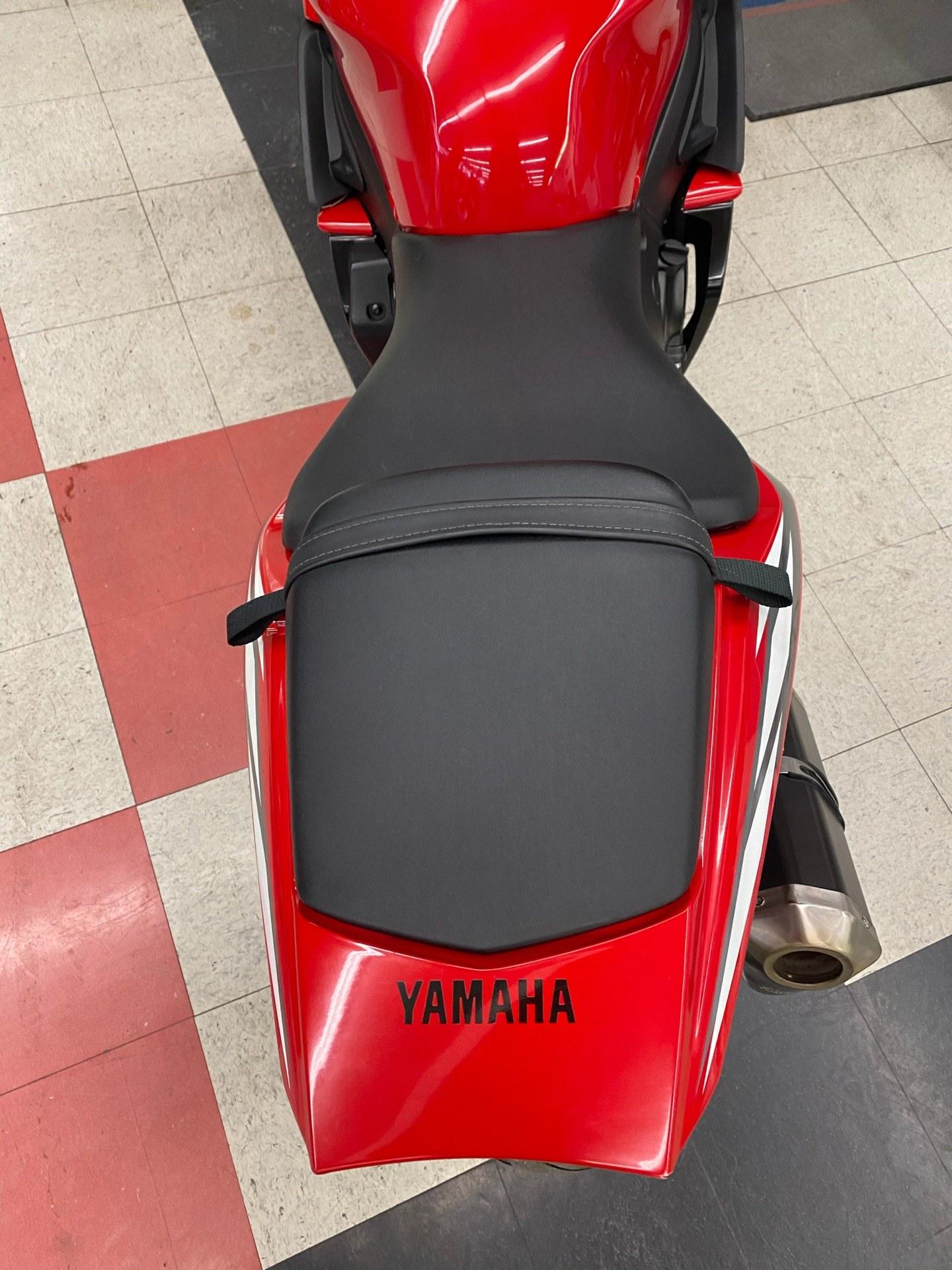 2005 Yamaha YZF-R6 9