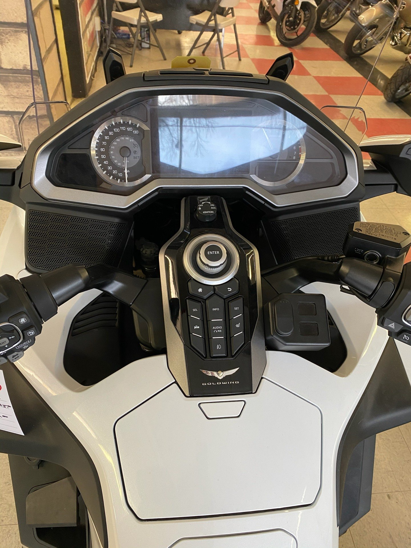 2018 Honda Gold Wing Tour Automatic DCT in Colorado Springs, Colorado - Photo 12