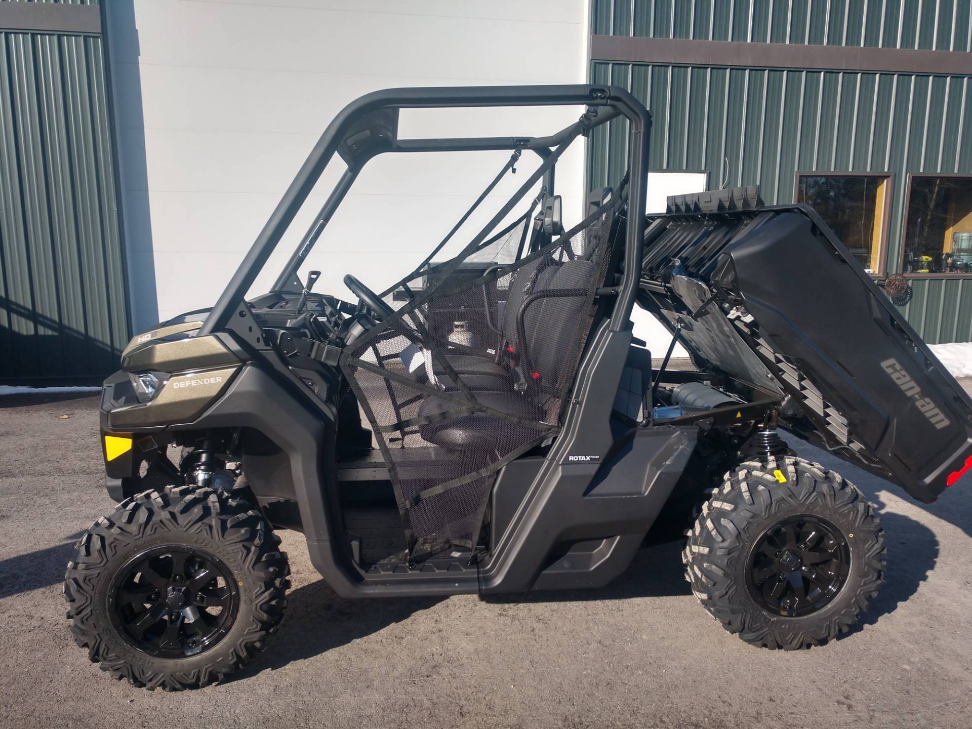 2020 Can-Am� Defender DPS HD8 3