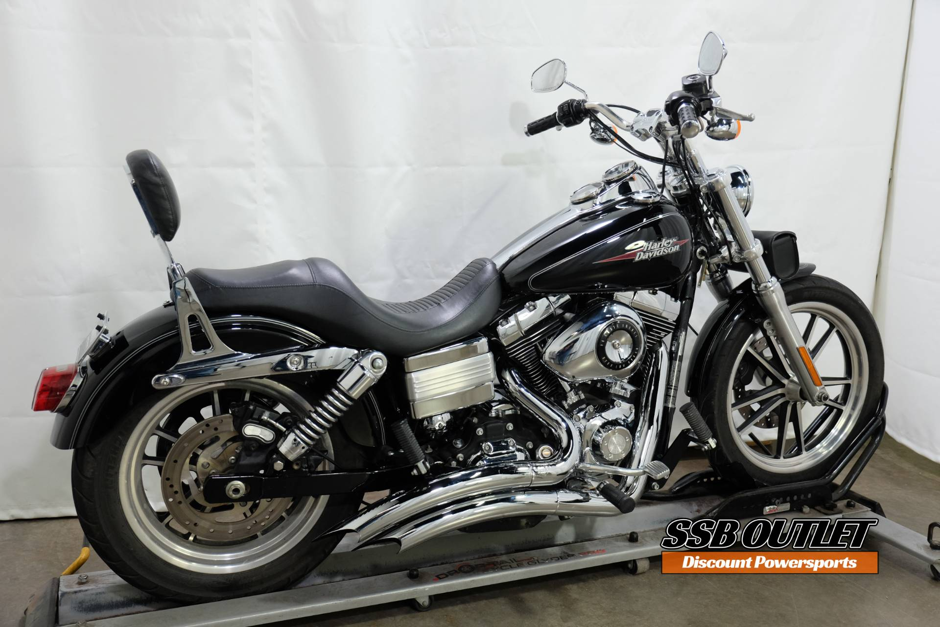 2009 Harley-Davidson Dyna® Low Rider® in Eden Prairie, Minnesota - Photo 6