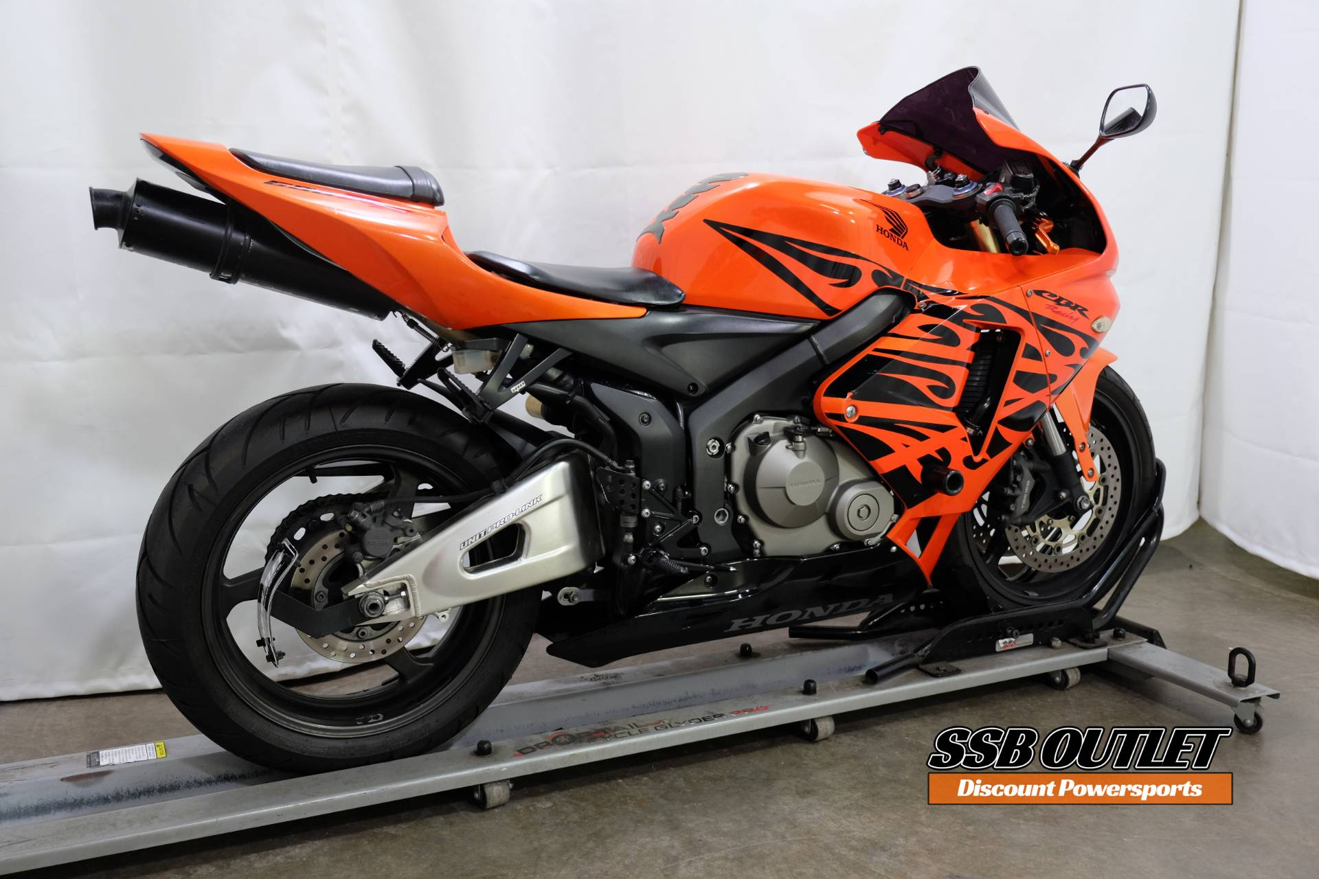 2006 Honda CBR®600RR in Eden Prairie, Minnesota - Photo 6