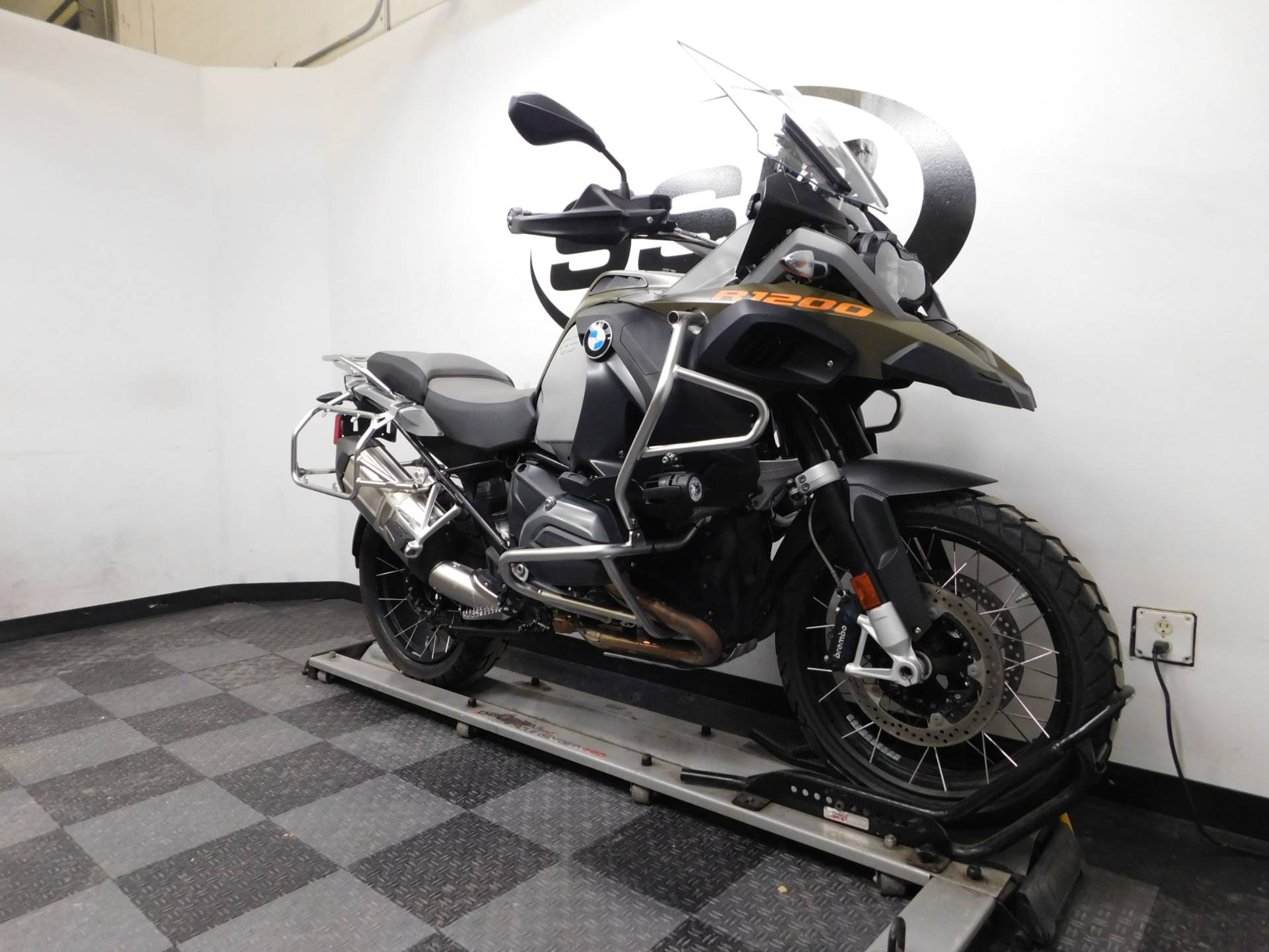 2015 BMW R 1200 GS Adventure in Eden Prairie, Minnesota - Photo 2