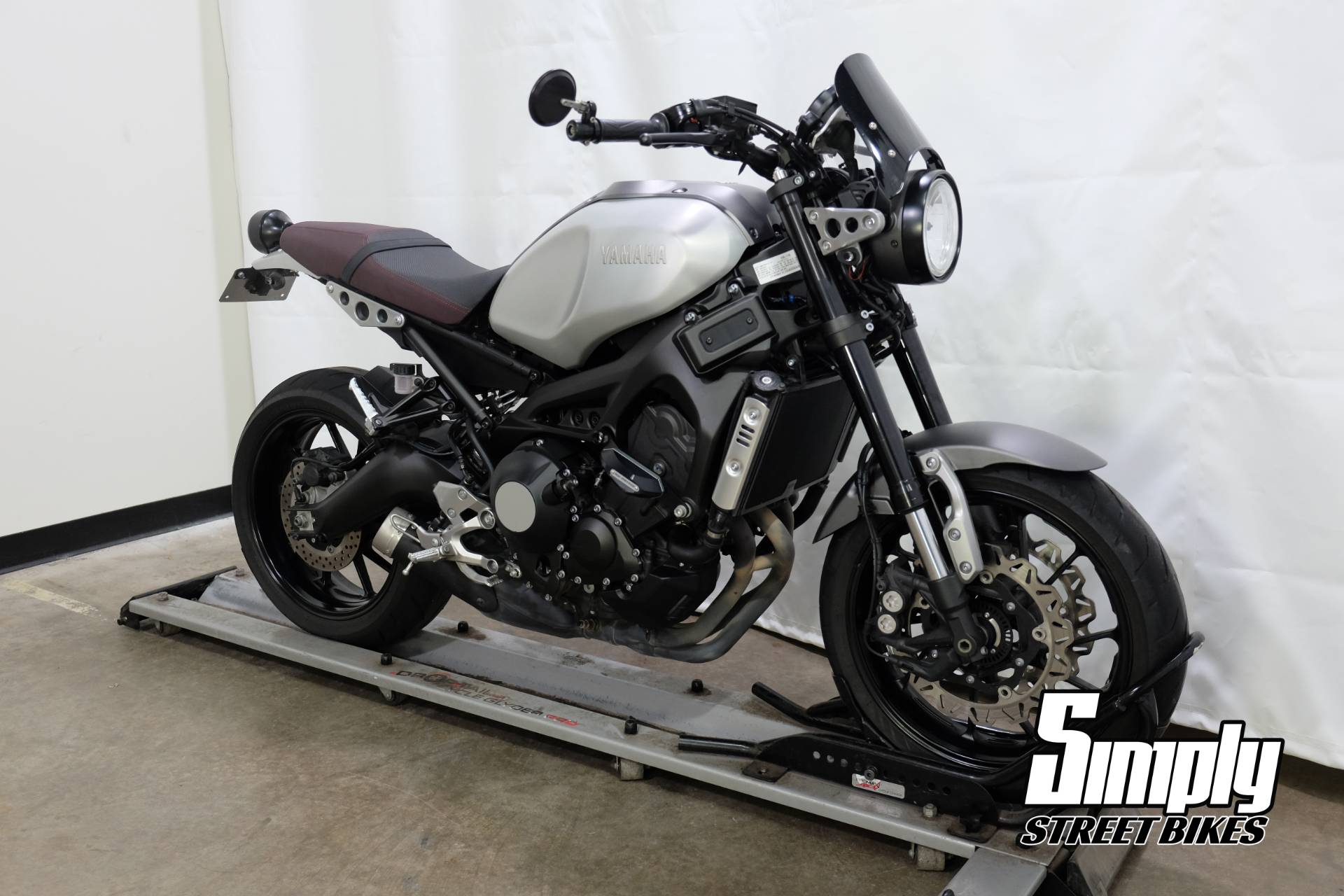 2016 Yamaha XSR900 in Eden Prairie, Minnesota - Photo 2