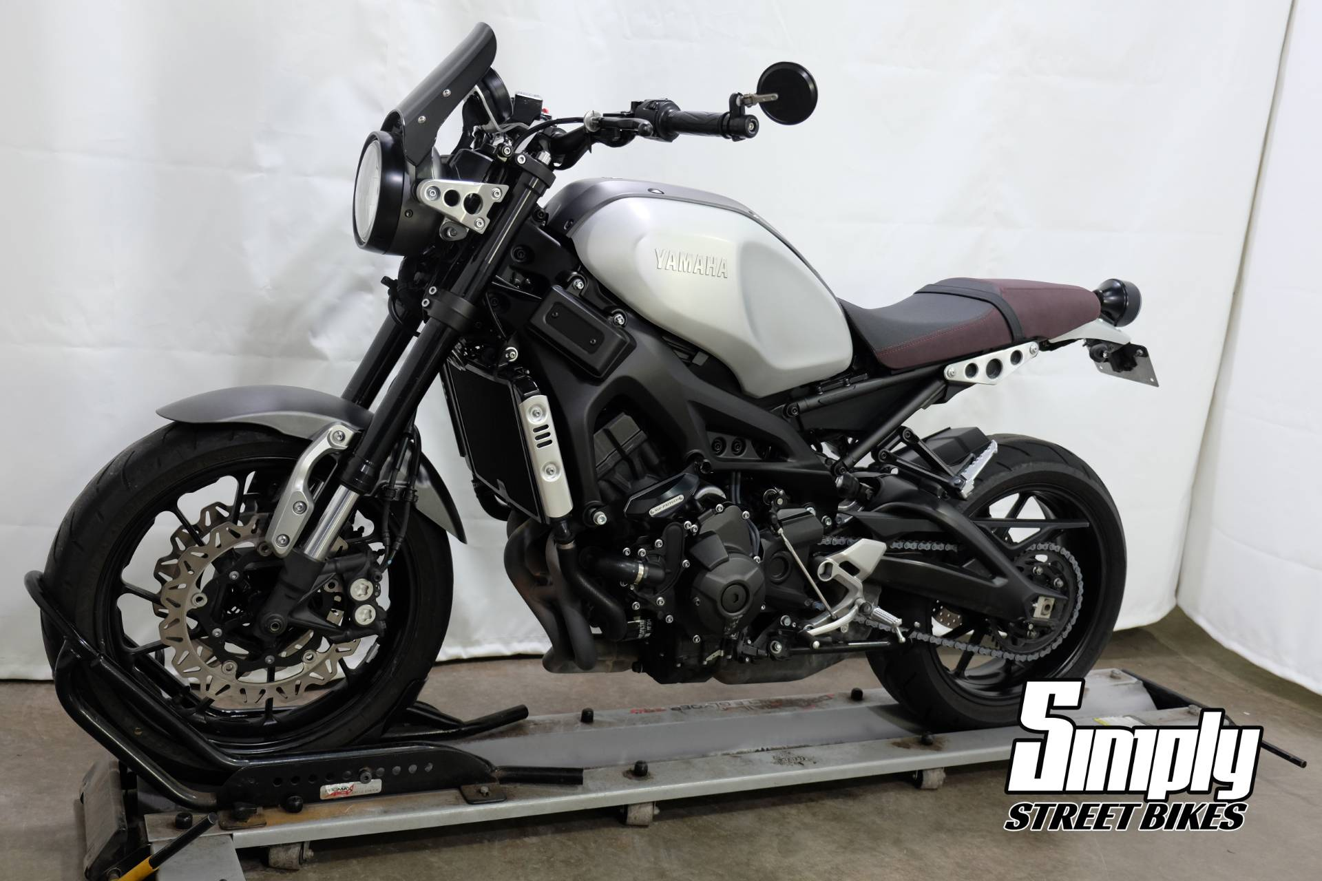 2016 Yamaha XSR900 in Eden Prairie, Minnesota - Photo 4