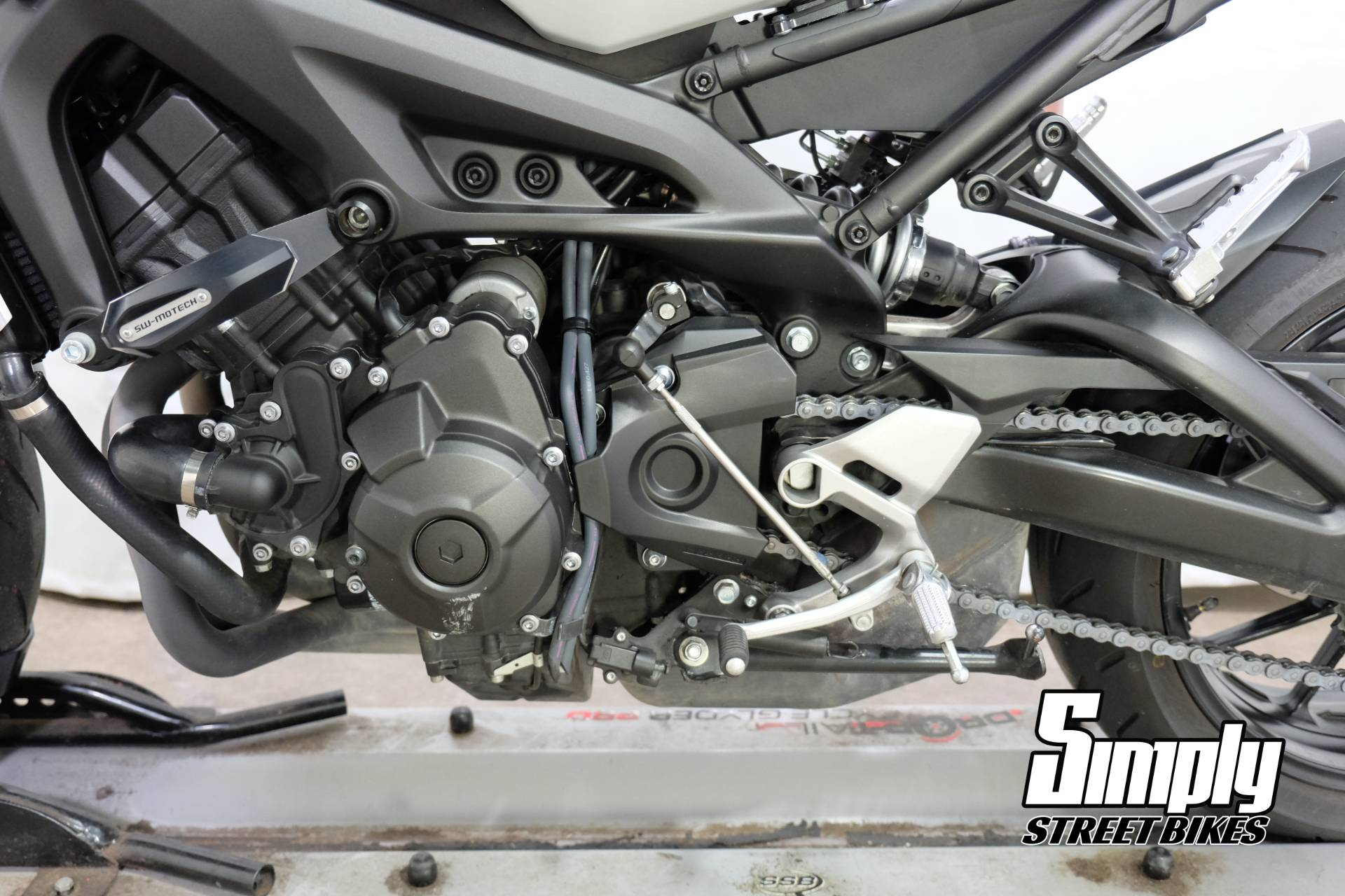 2016 Yamaha XSR900 in Eden Prairie, Minnesota - Photo 38