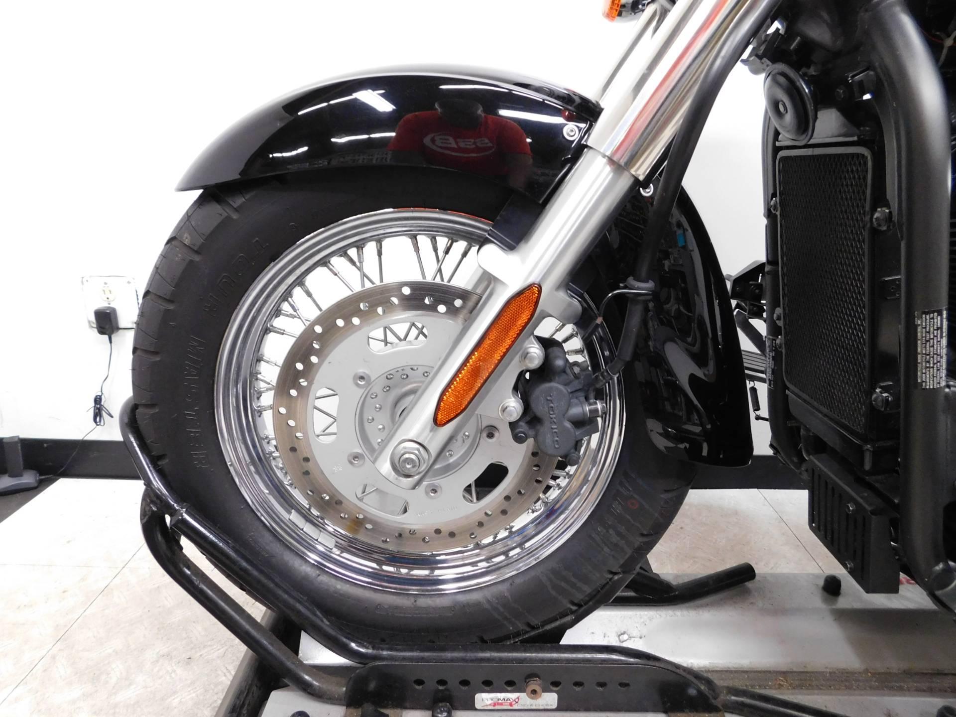 2009 Kawasaki Vulcan 900 Custom 11