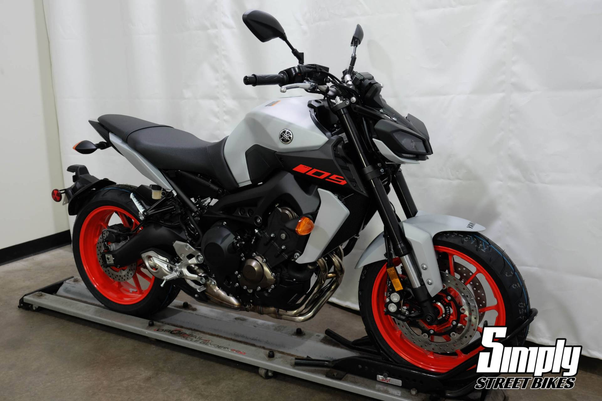 2020 Yamaha MT-09 in Eden Prairie, Minnesota - Photo 2
