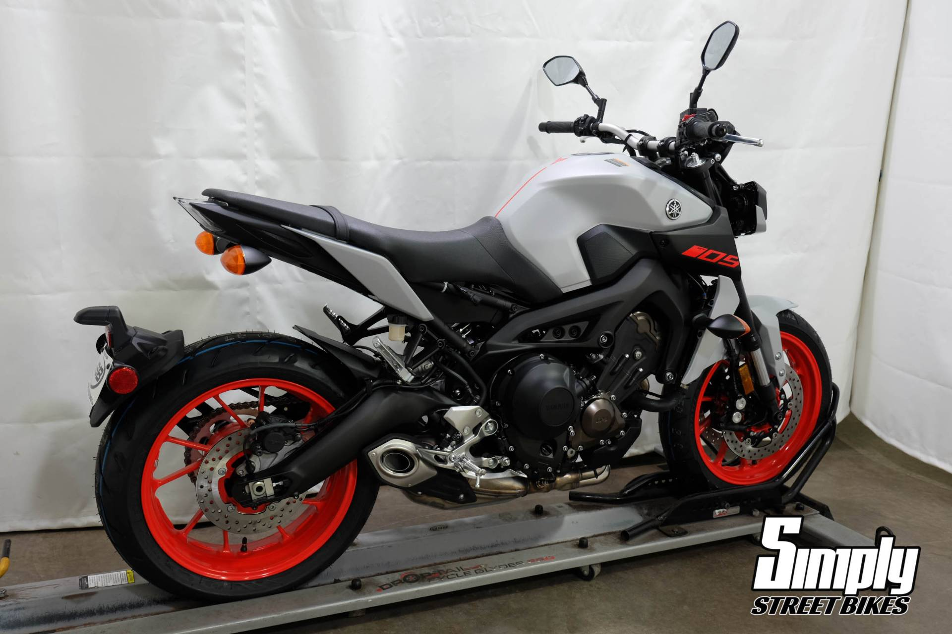 2020 Yamaha MT-09 in Eden Prairie, Minnesota - Photo 8