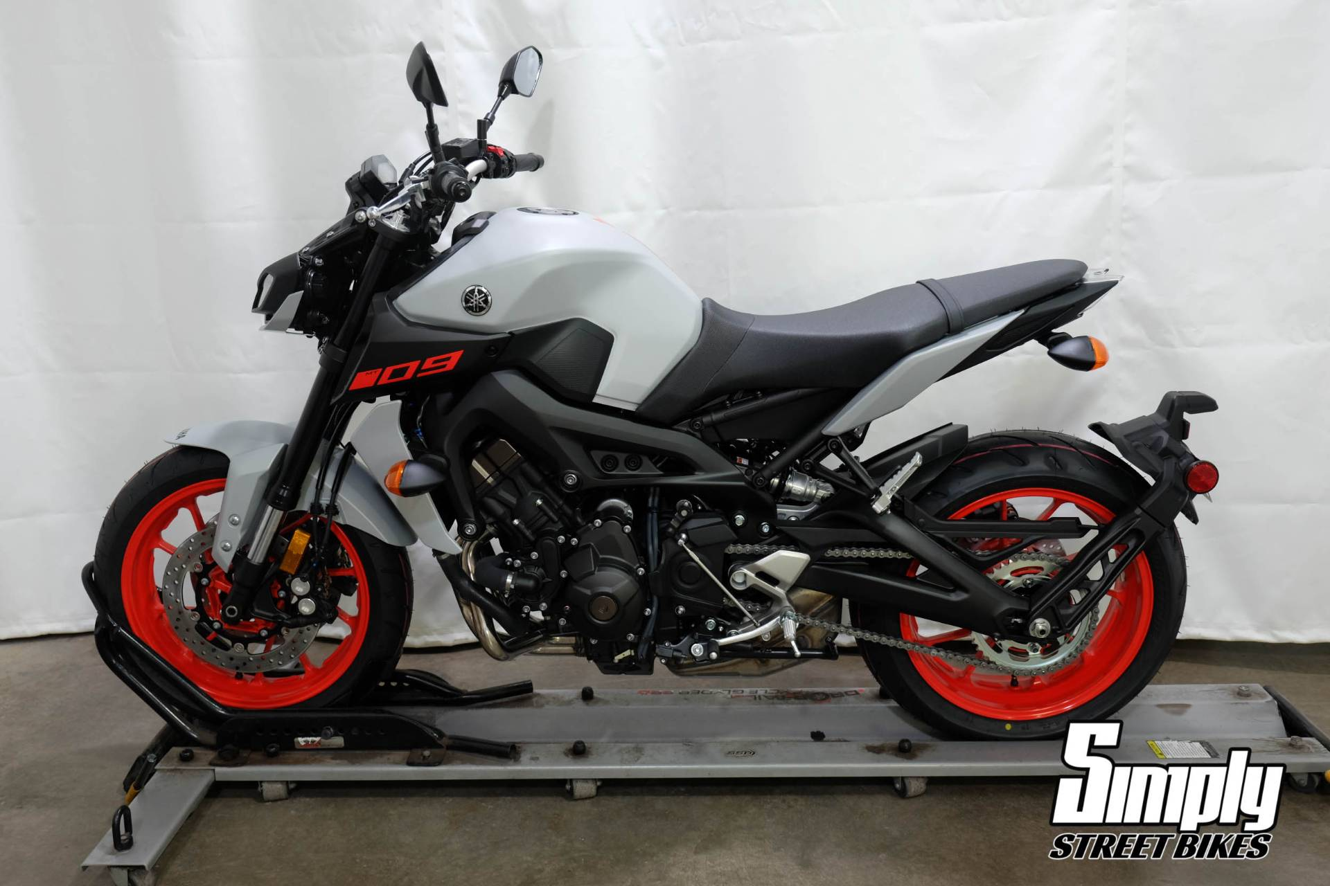 2020 Yamaha MT-09 in Eden Prairie, Minnesota - Photo 5
