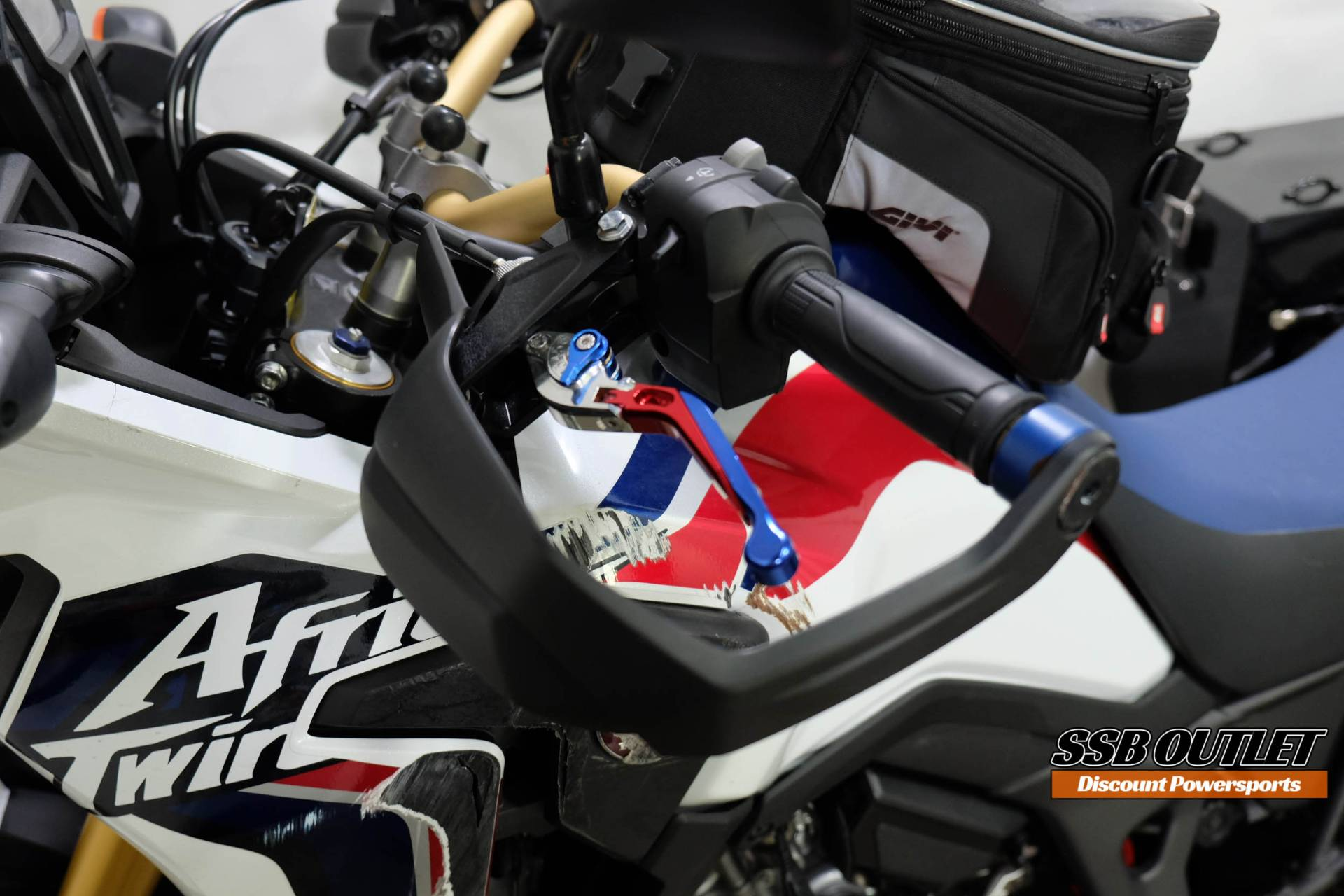 2017 Honda Africa Twin in Eden Prairie, Minnesota - Photo 18