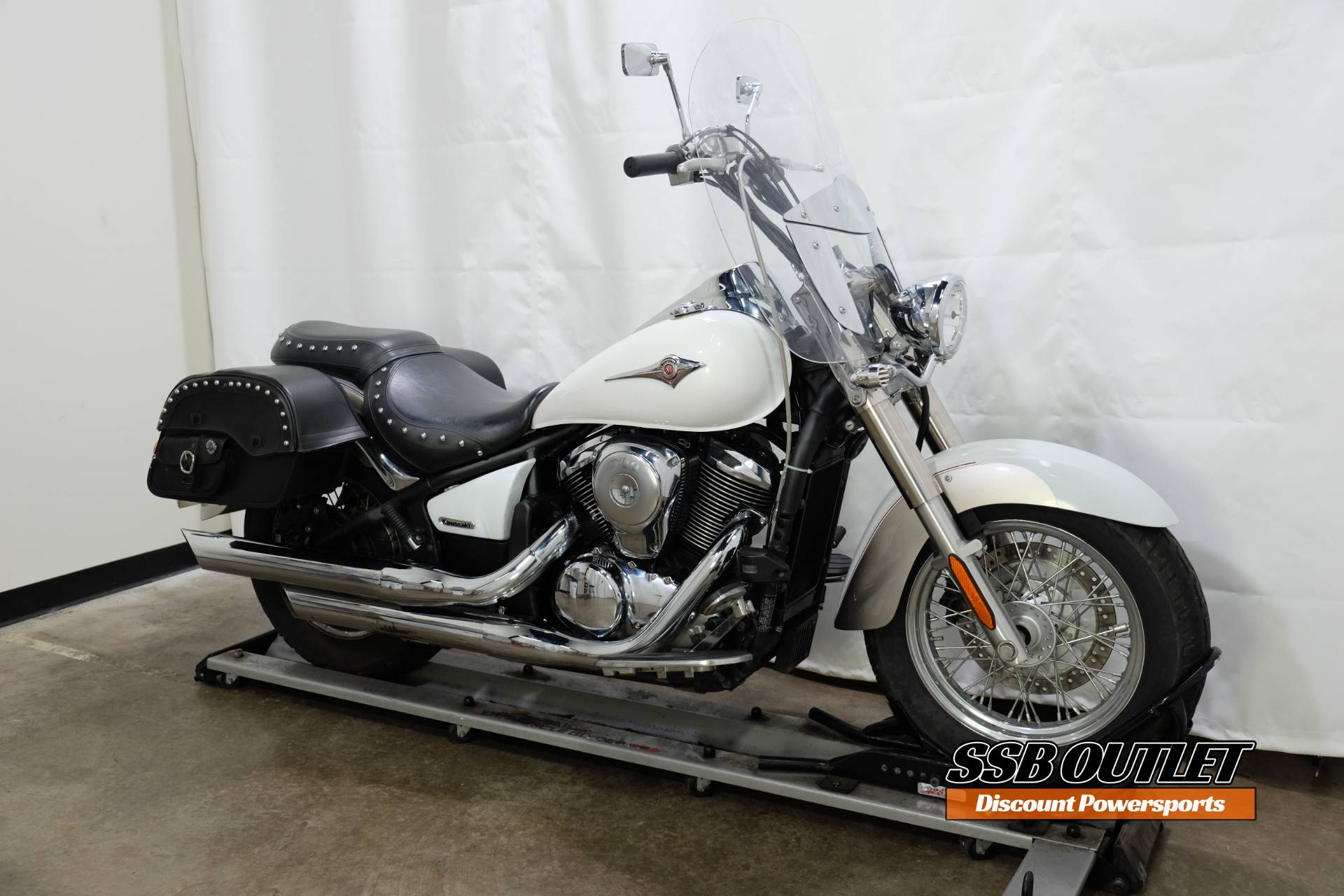 2008 Kawasaki Vulcan® 900 Classic LT in Eden Prairie, Minnesota - Photo 2