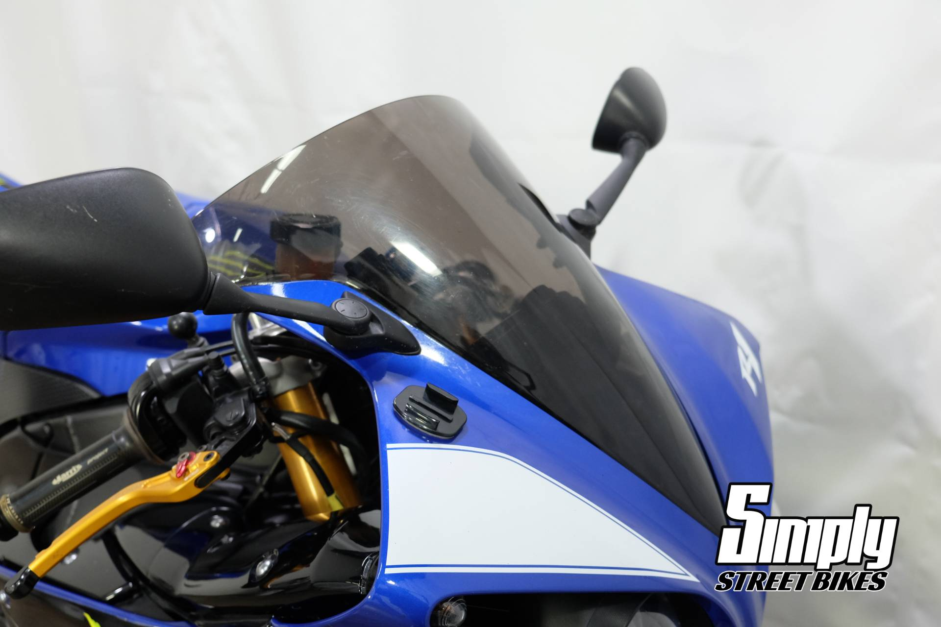 2009 Yamaha YZF-R1 in Eden Prairie, Minnesota - Photo 14