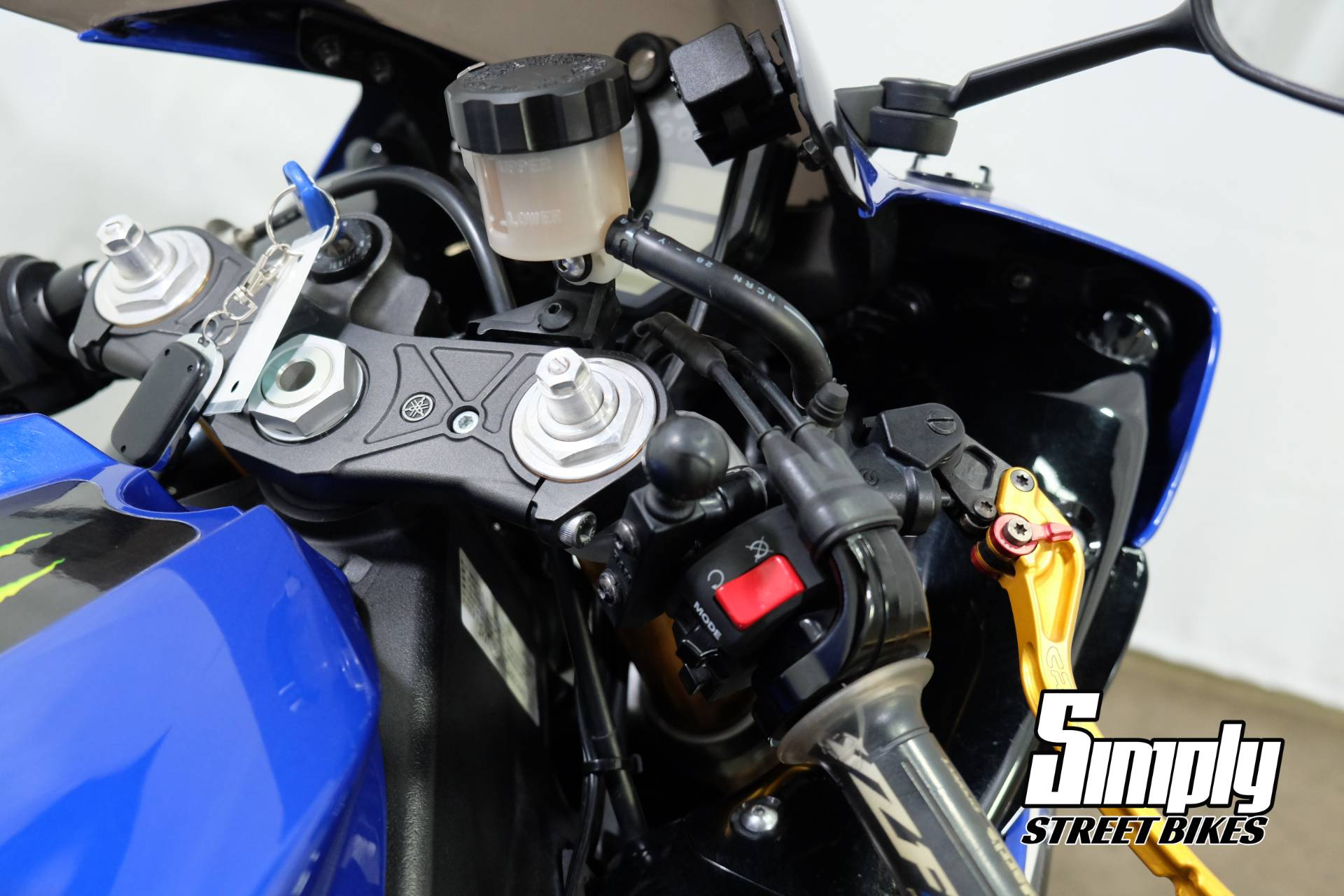 2009 Yamaha YZF-R1 in Eden Prairie, Minnesota - Photo 19