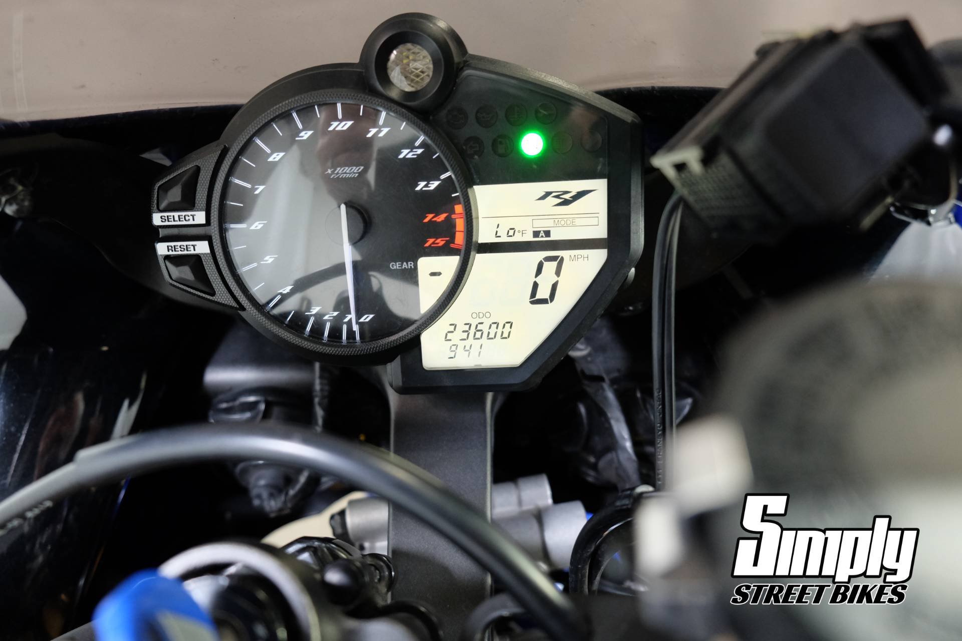 2009 Yamaha YZF-R1 in Eden Prairie, Minnesota - Photo 31