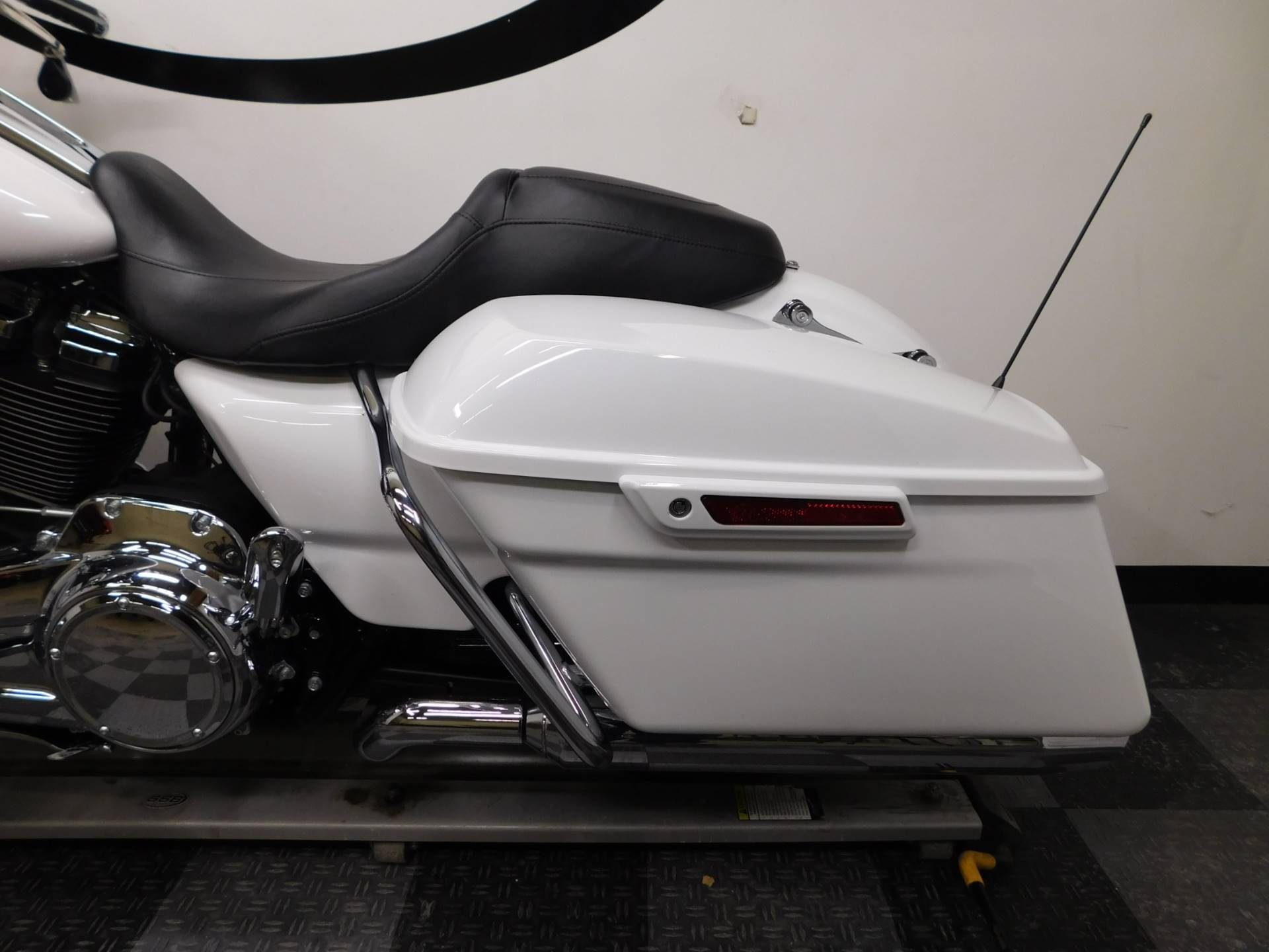 2017 Harley-Davidson Street Glide Special 10