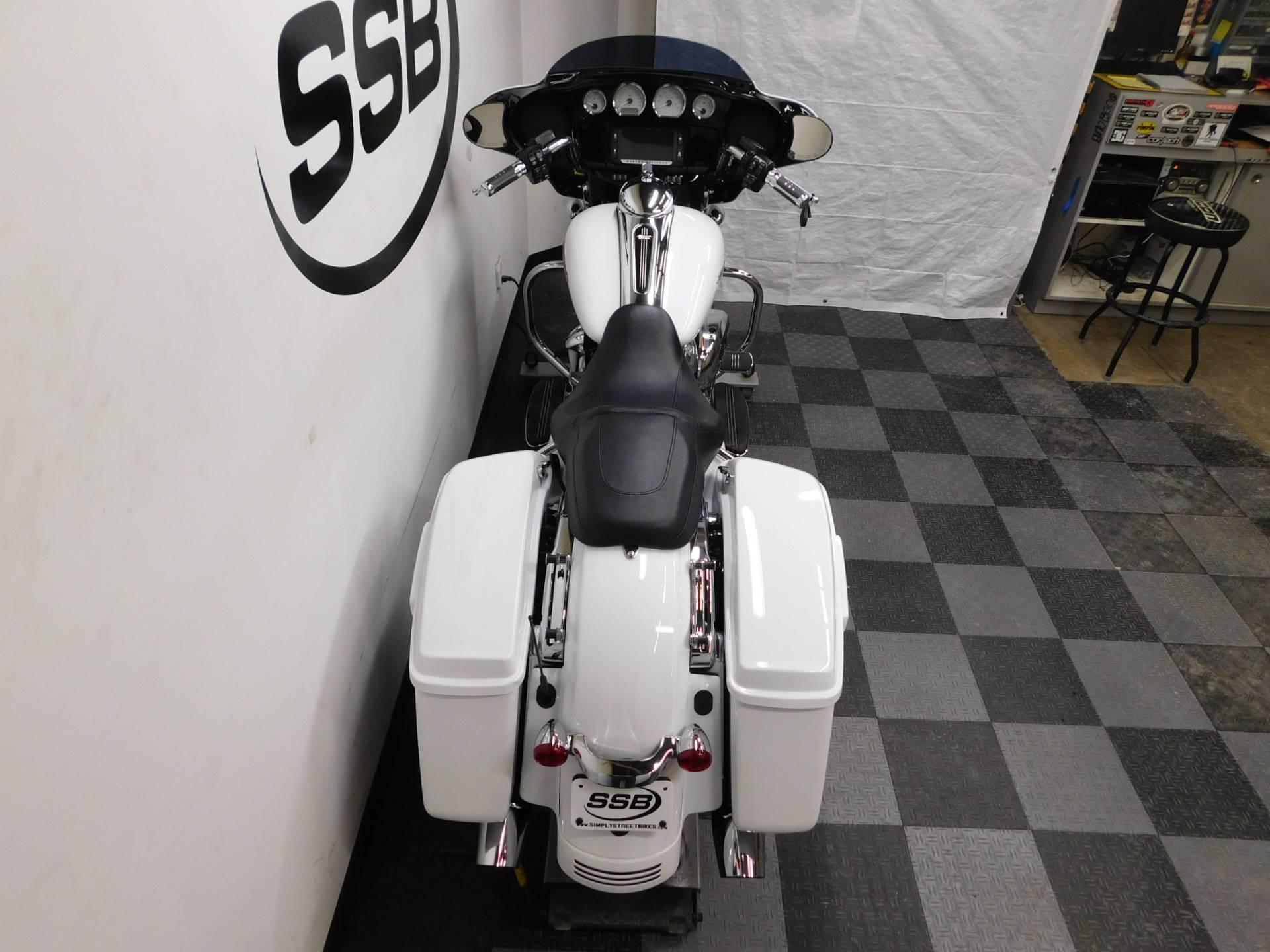 2017 Harley-Davidson Street Glide Special 7