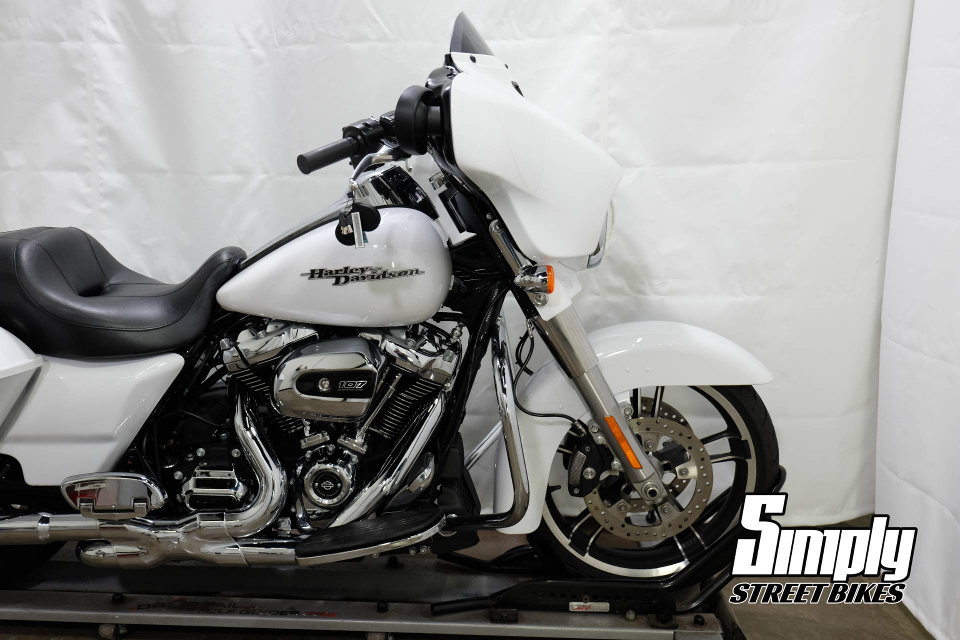 2017 Harley-Davidson Street Glide® Special in Eden Prairie, Minnesota