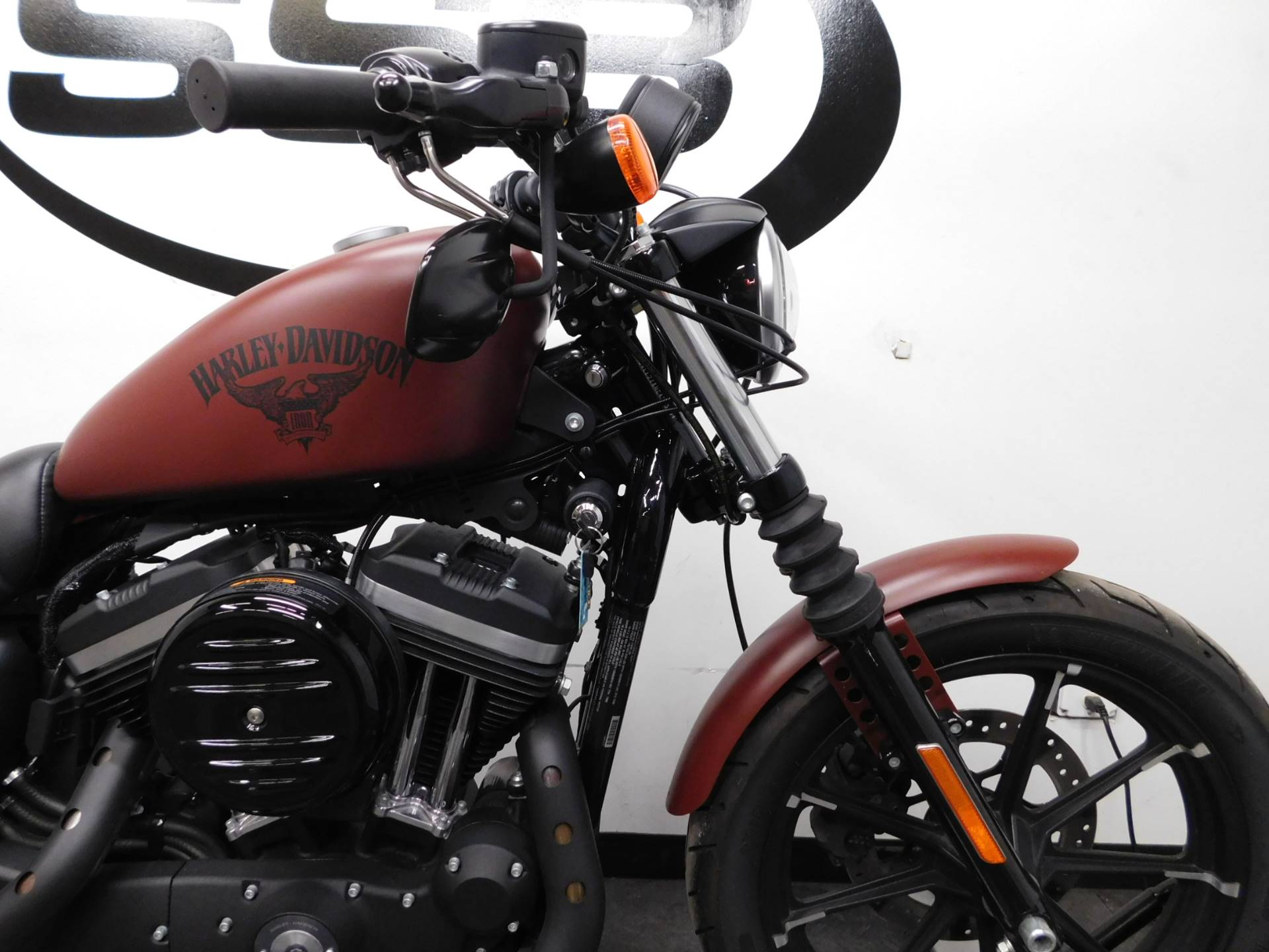 2017 Harley-Davidson Iron 883™ in Eden Prairie, Minnesota - Photo 33