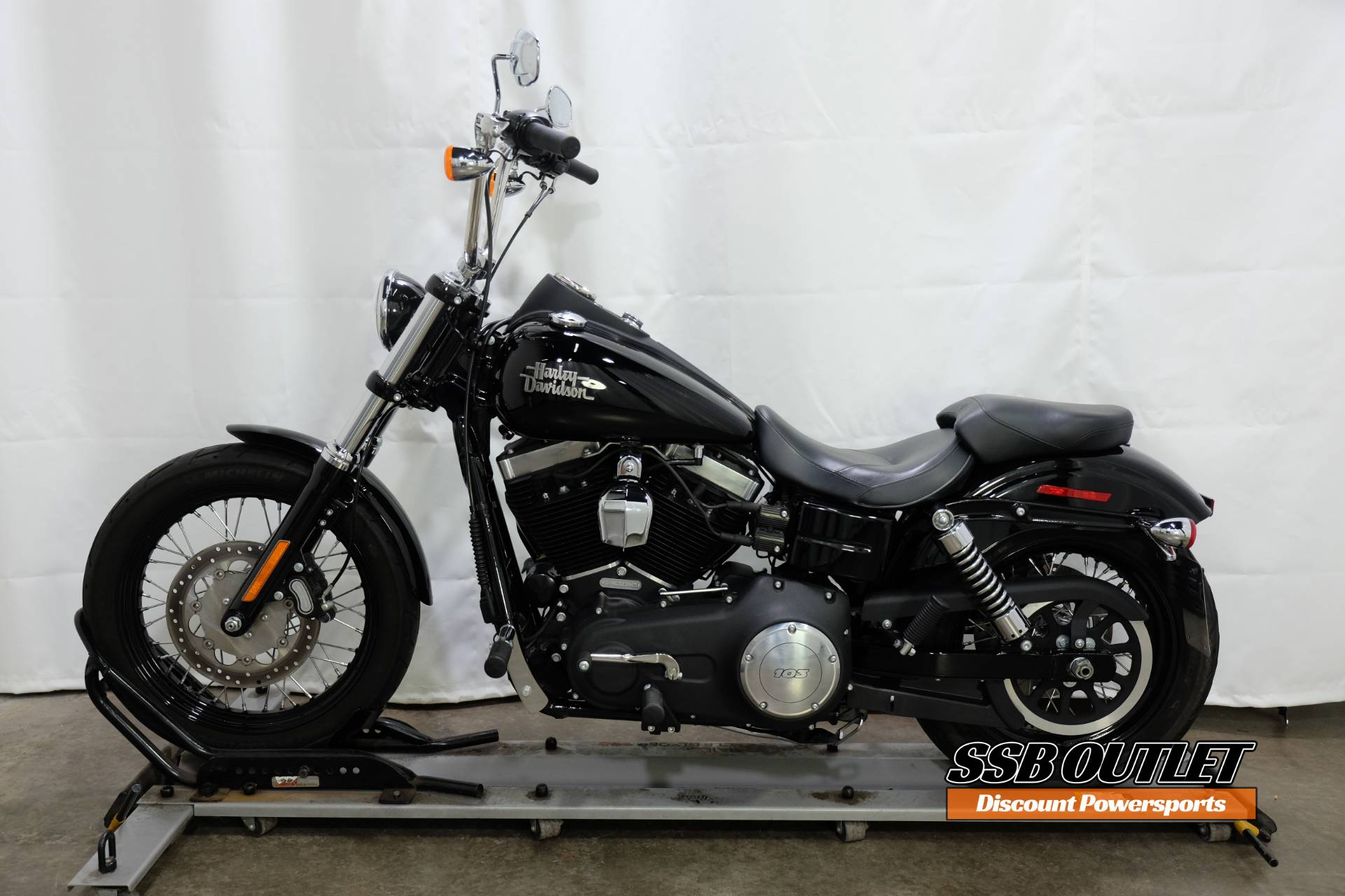 2016 Harley-Davidson Street Bob® in Eden Prairie, Minnesota - Photo 4