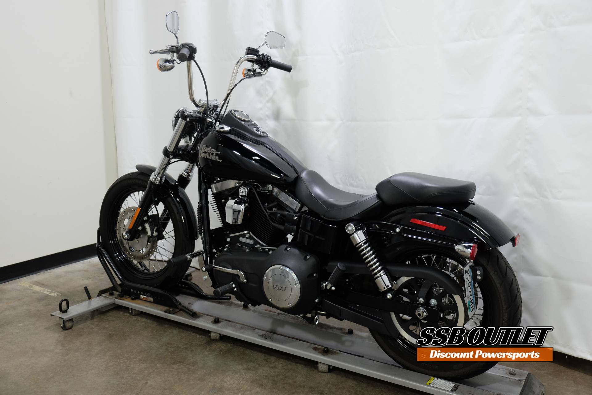 2016 Harley-Davidson Street Bob® in Eden Prairie, Minnesota - Photo 5