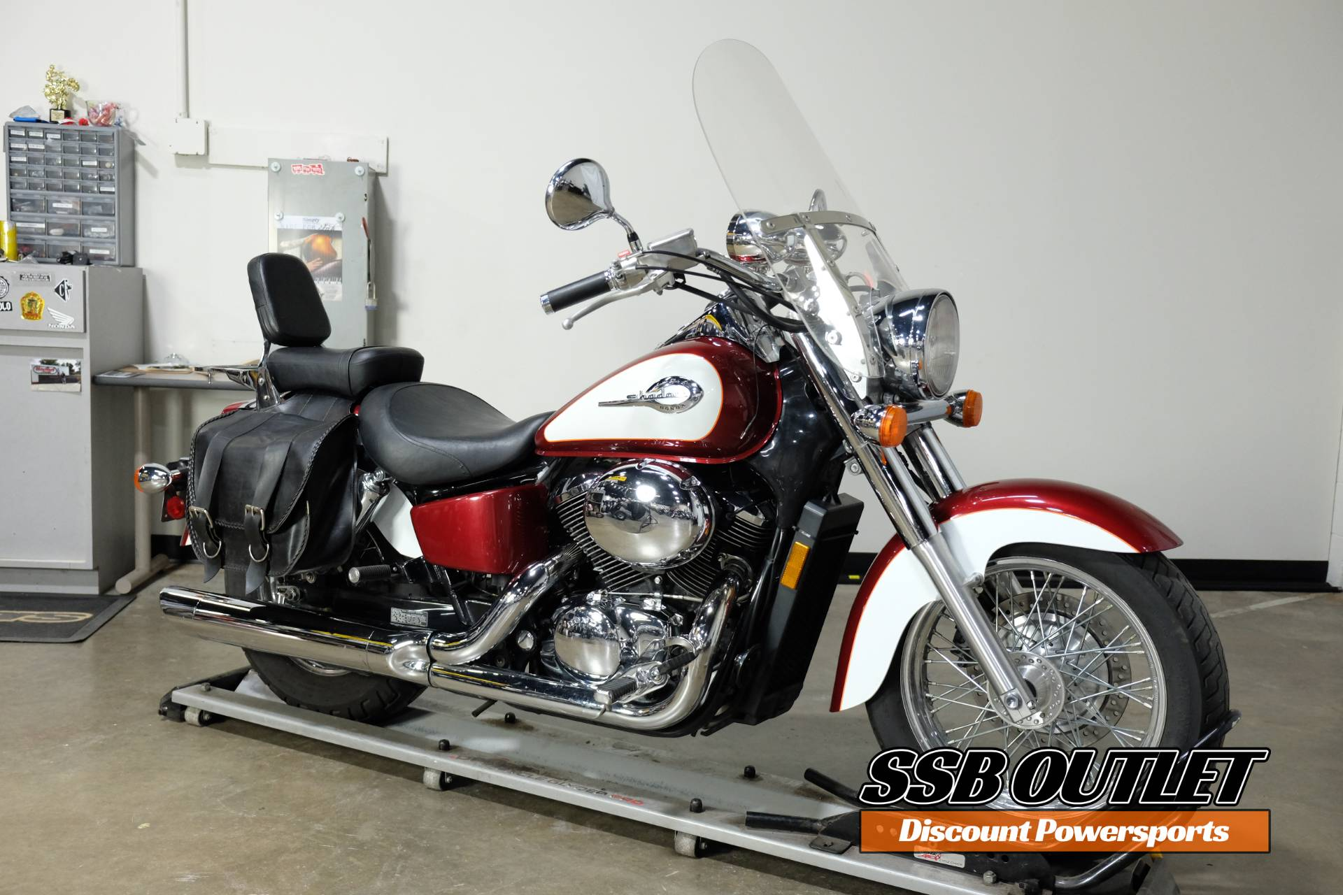 2001 Honda Shadow Ace 750 Deluxe in Eden Prairie, Minnesota - Photo 2