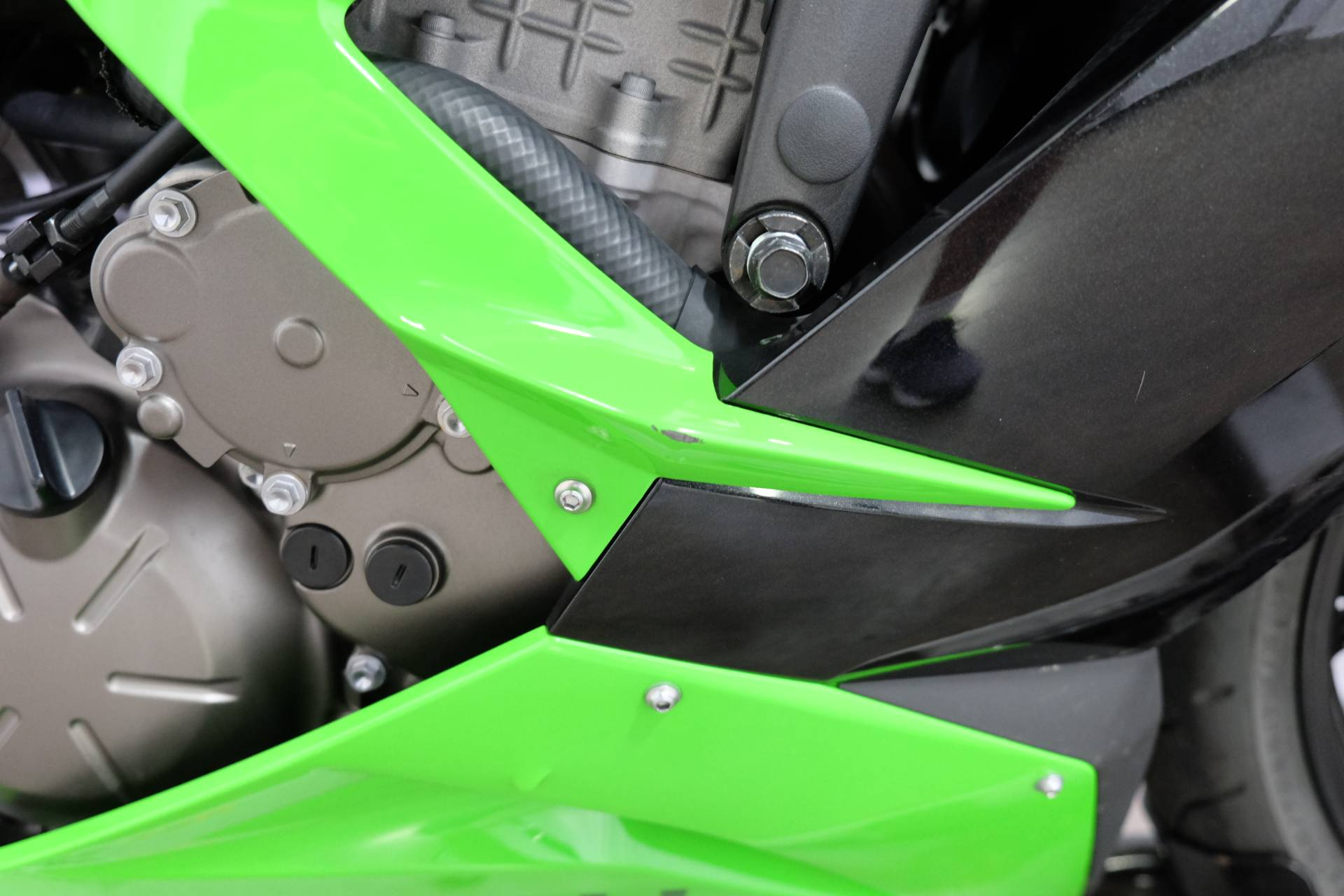 2013 Kawasaki Ninja® ZX™-6R in Eden Prairie, Minnesota - Photo 20