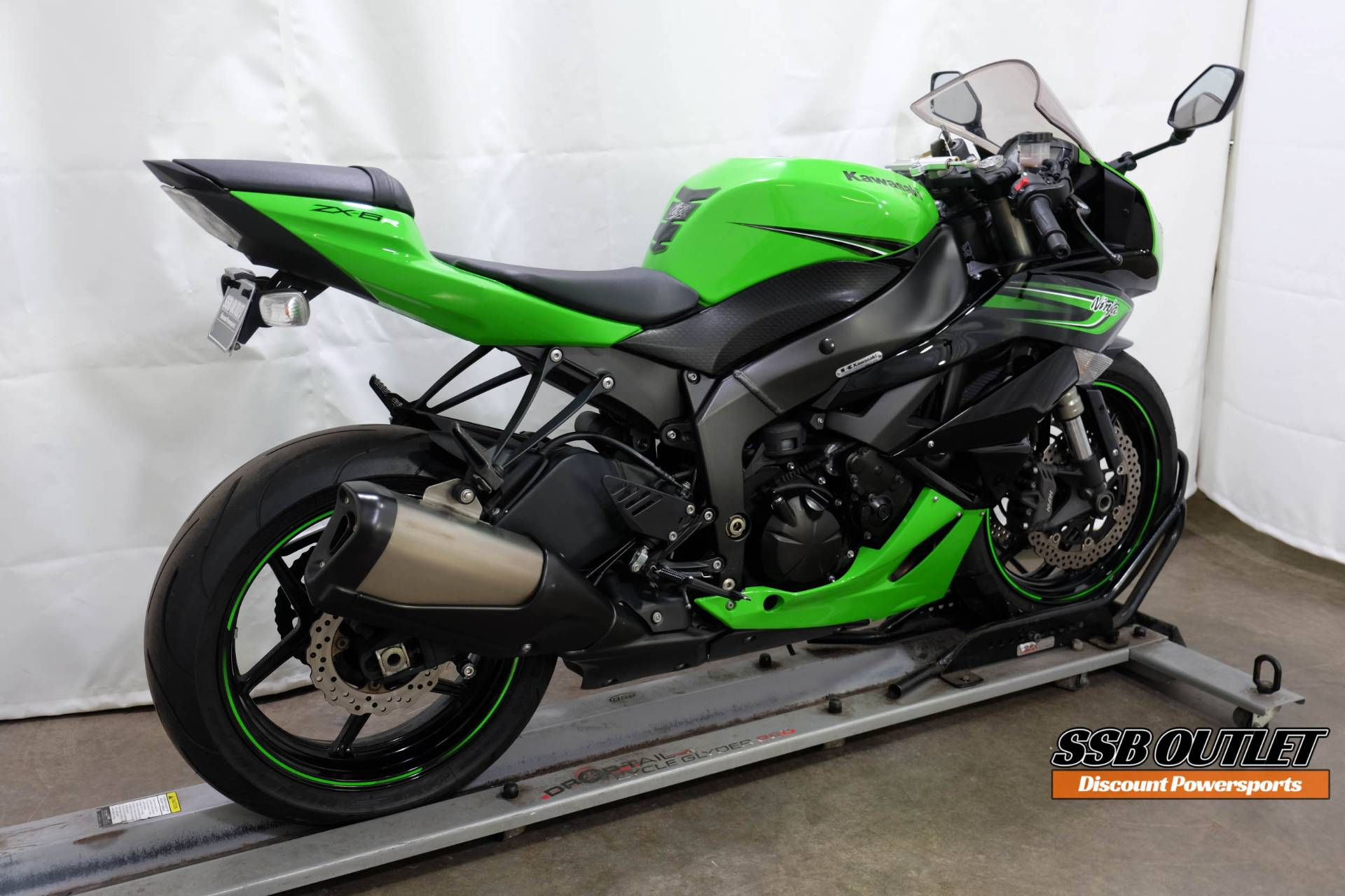2011 Kawasaki Ninja® ZX™-6R in Eden Prairie, Minnesota - Photo 6