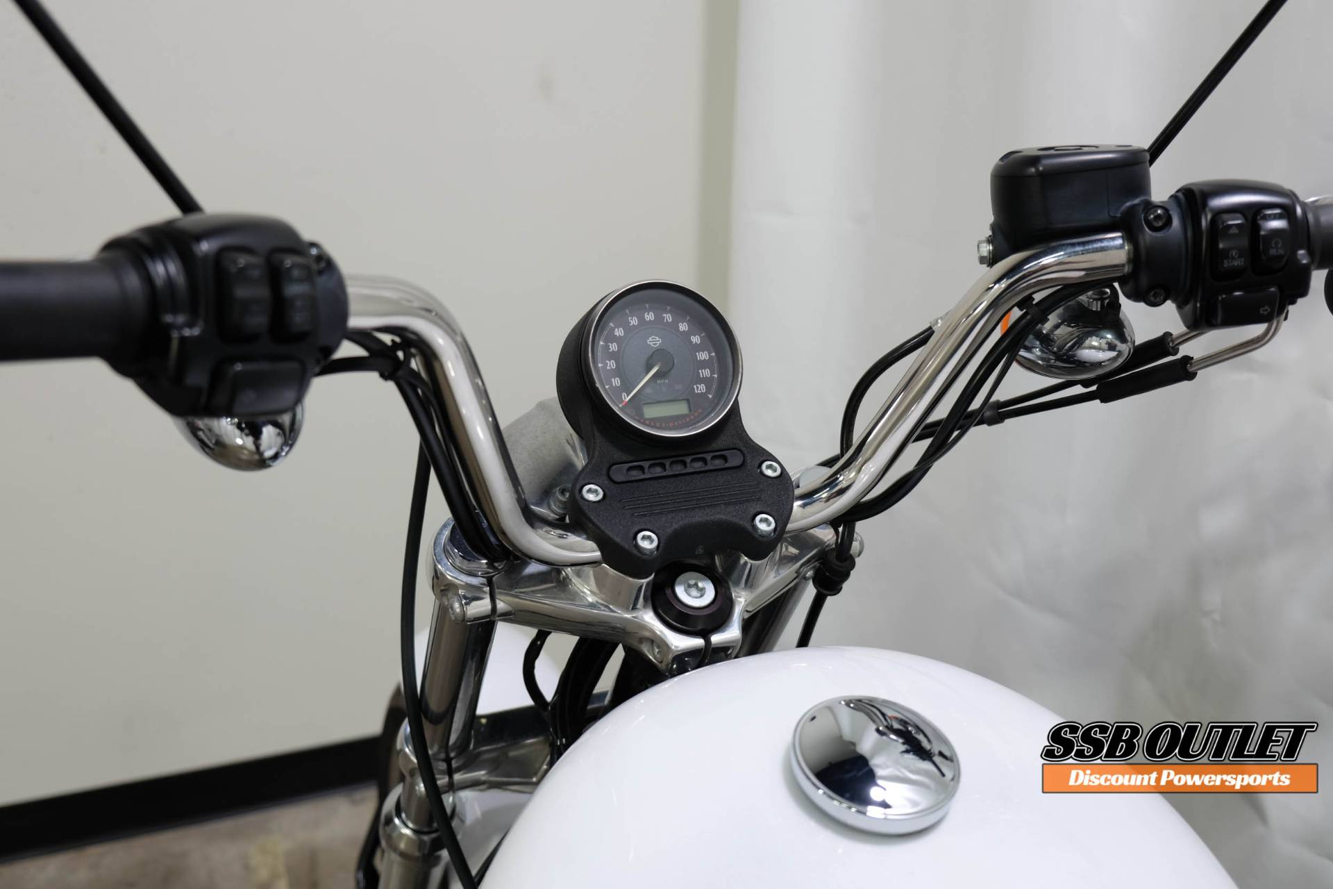 2015 Harley-Davidson SuperLow® in Eden Prairie, Minnesota - Photo 8