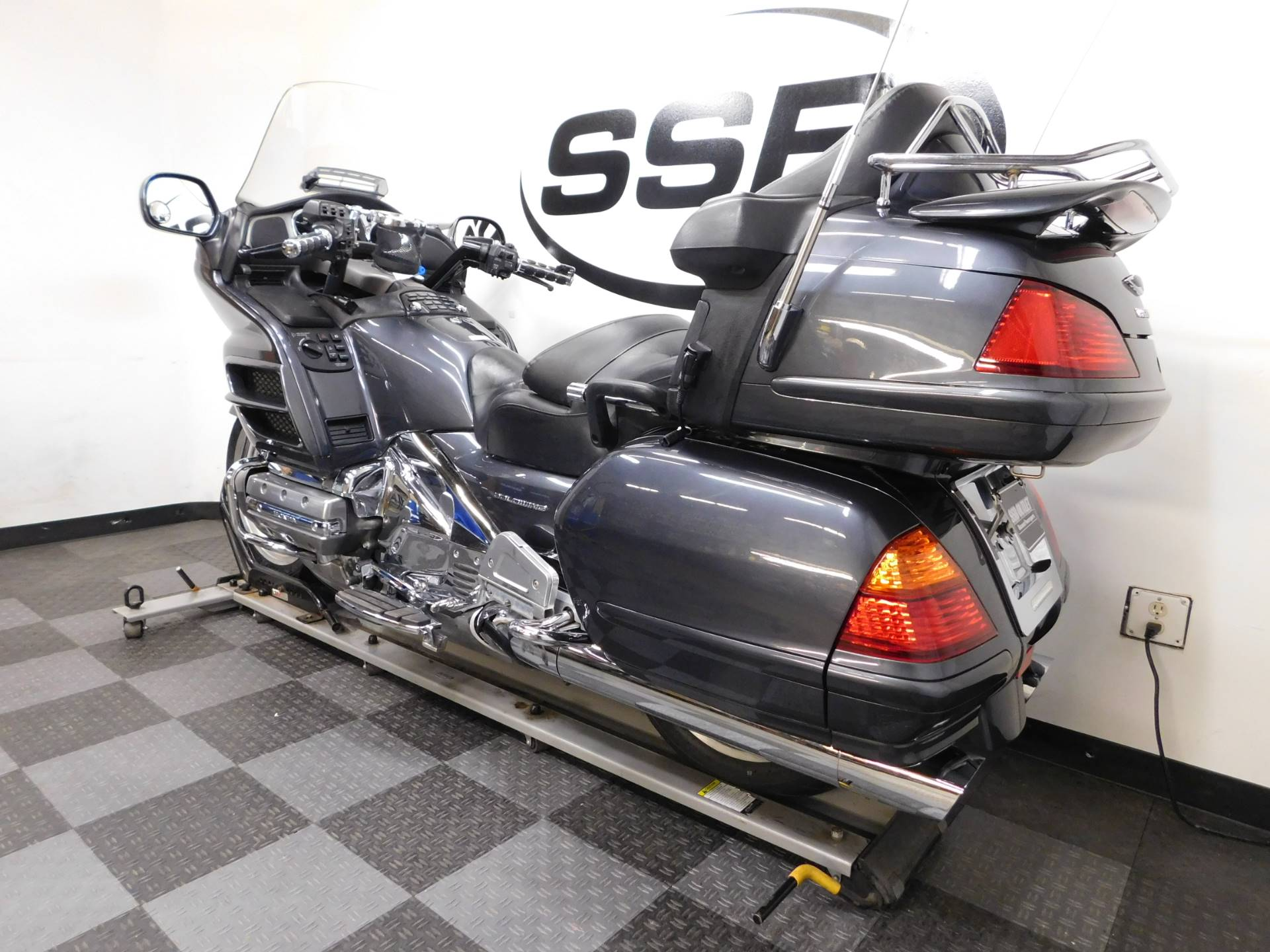 2005 Honda Gold Wing® in Eden Prairie, Minnesota - Photo 6