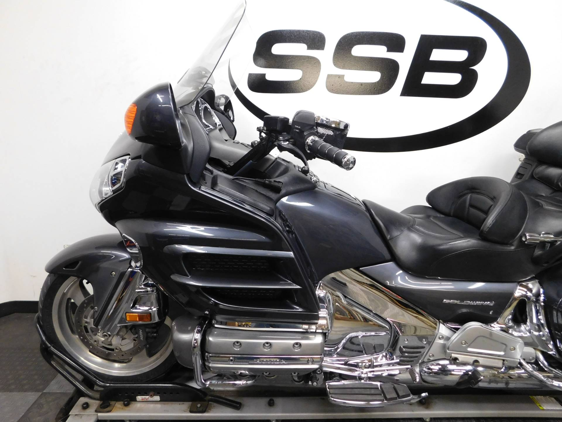2005 Honda Gold Wing® in Eden Prairie, Minnesota - Photo 9