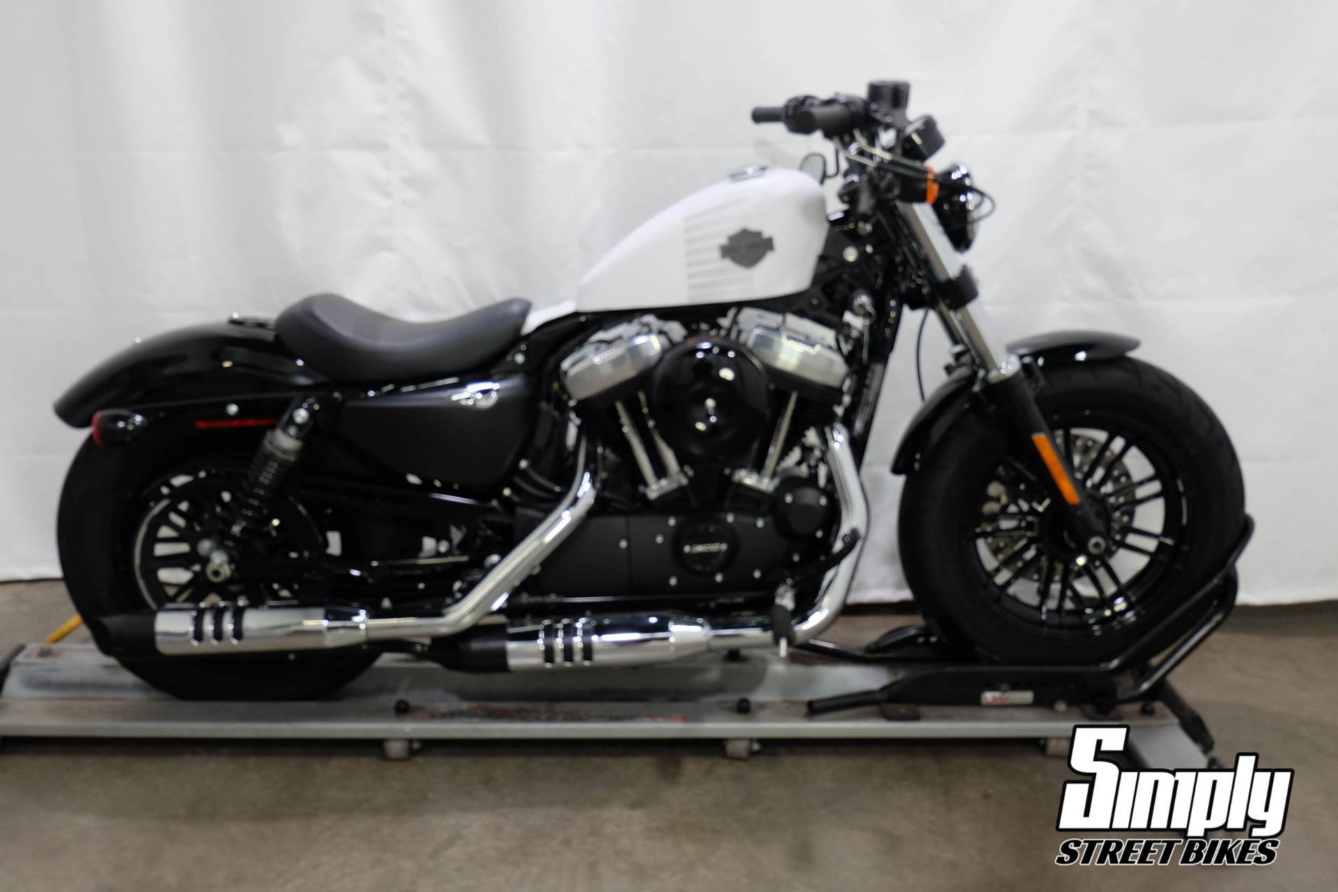 2017 Harley-Davidson Forty-Eight® in Eden Prairie, Minnesota - Photo 1