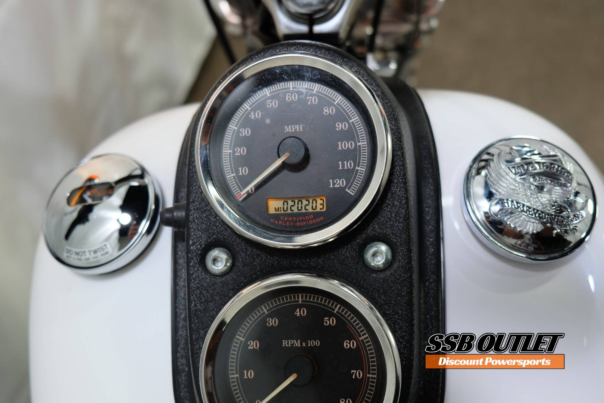 2004 Harley-Davidson FXDL/FXDLI Dyna Low Rider® in Eden Prairie, Minnesota - Photo 10