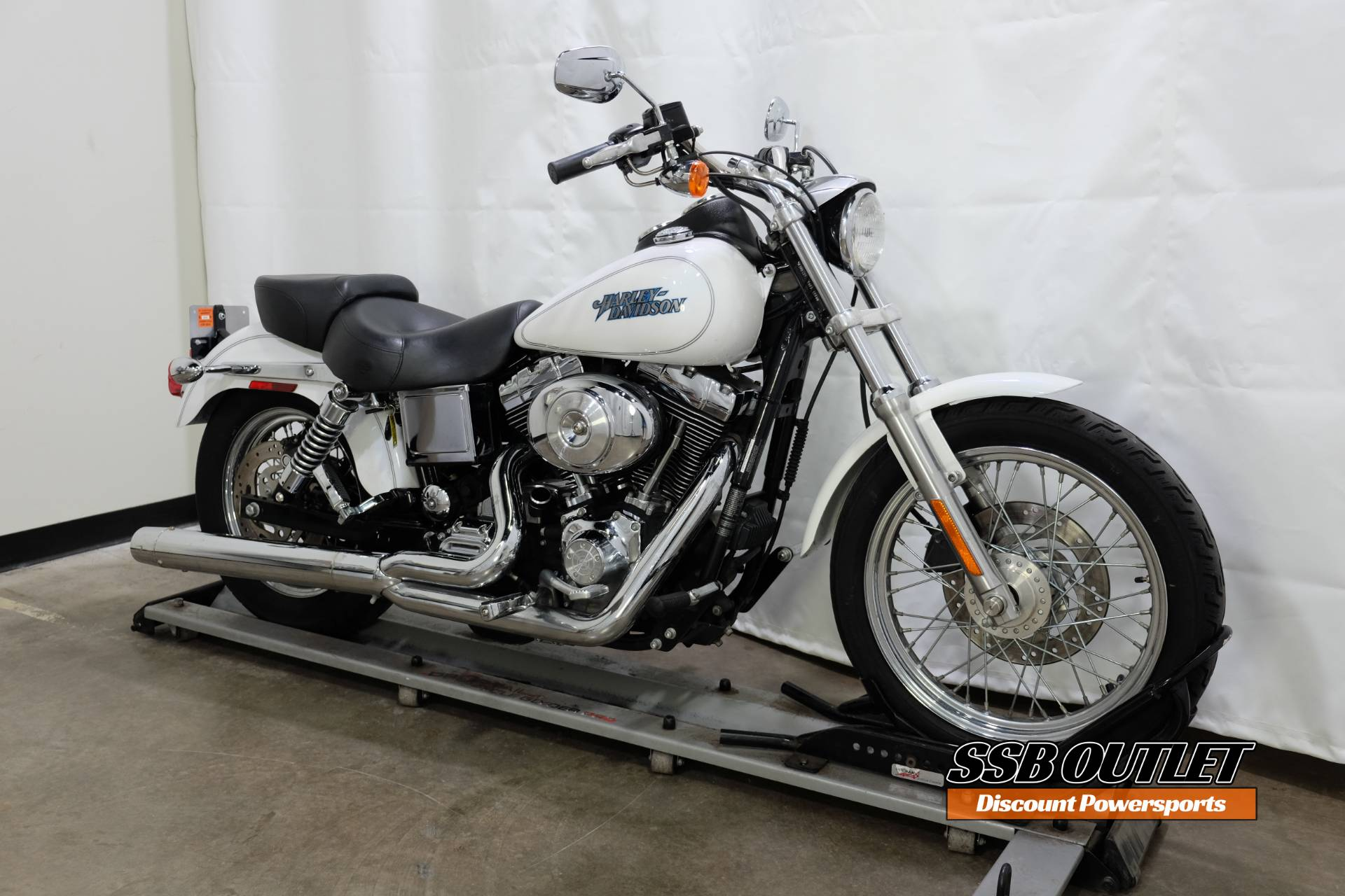 2004 Harley-Davidson FXDL/FXDLI Dyna Low Rider® in Eden Prairie, Minnesota - Photo 2