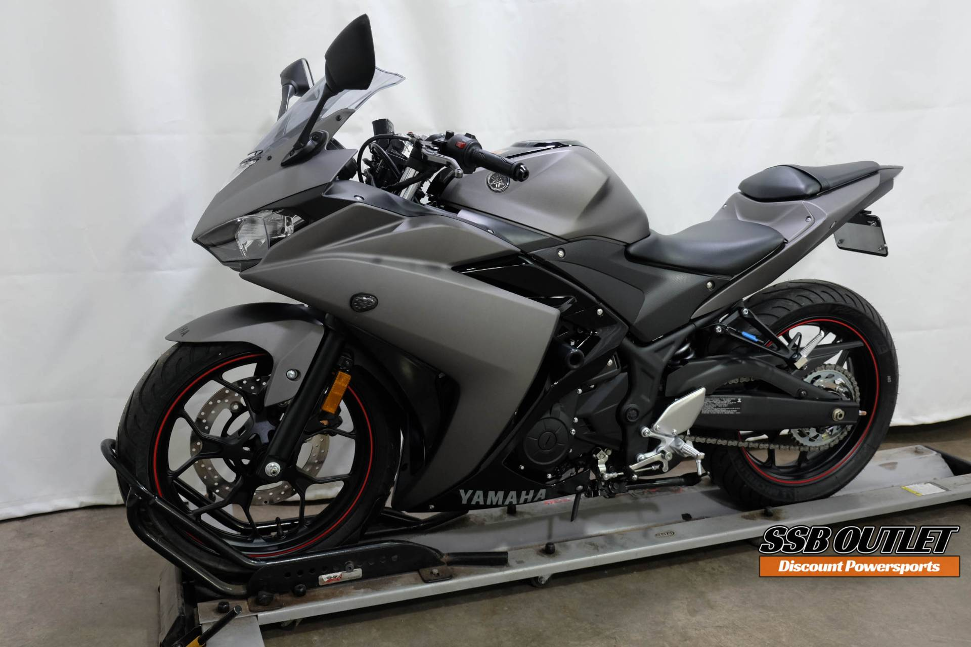 2016 Yamaha YZF-R3 in Eden Prairie, Minnesota - Photo 3