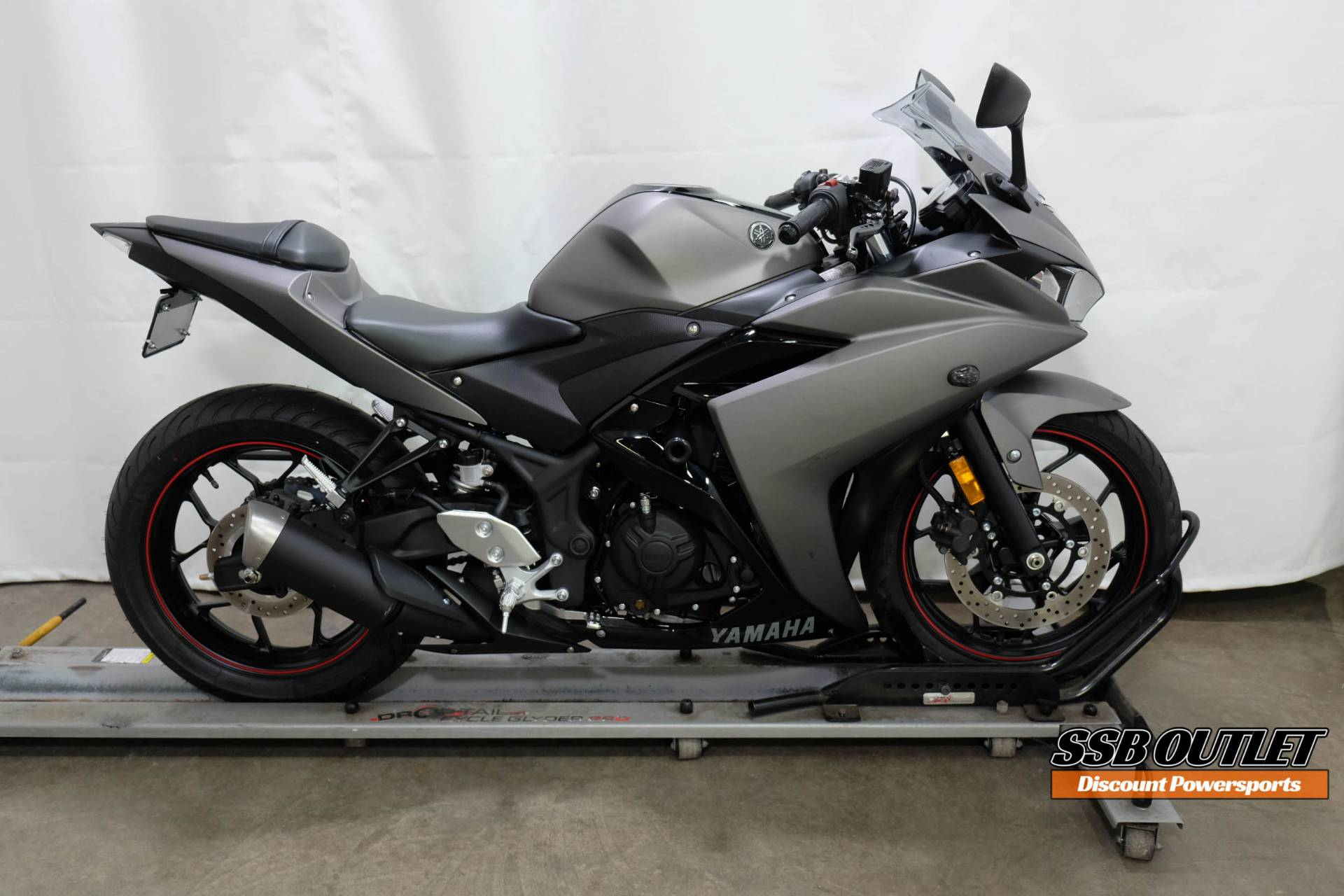 2016 Yamaha YZF-R3 in Eden Prairie, Minnesota - Photo 1