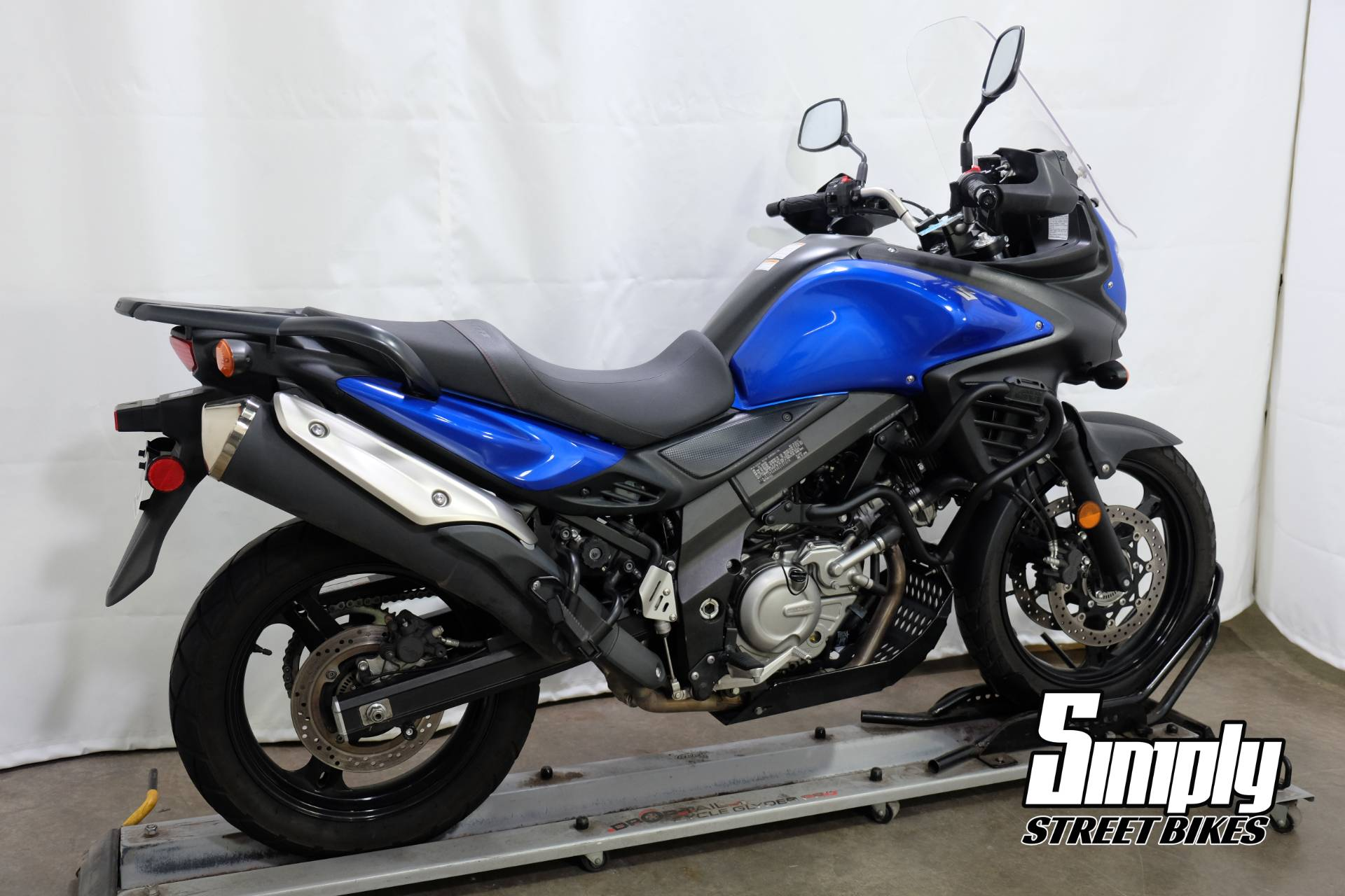 2013 Suzuki V-Strom 650 ABS in Eden Prairie, Minnesota - Photo 8