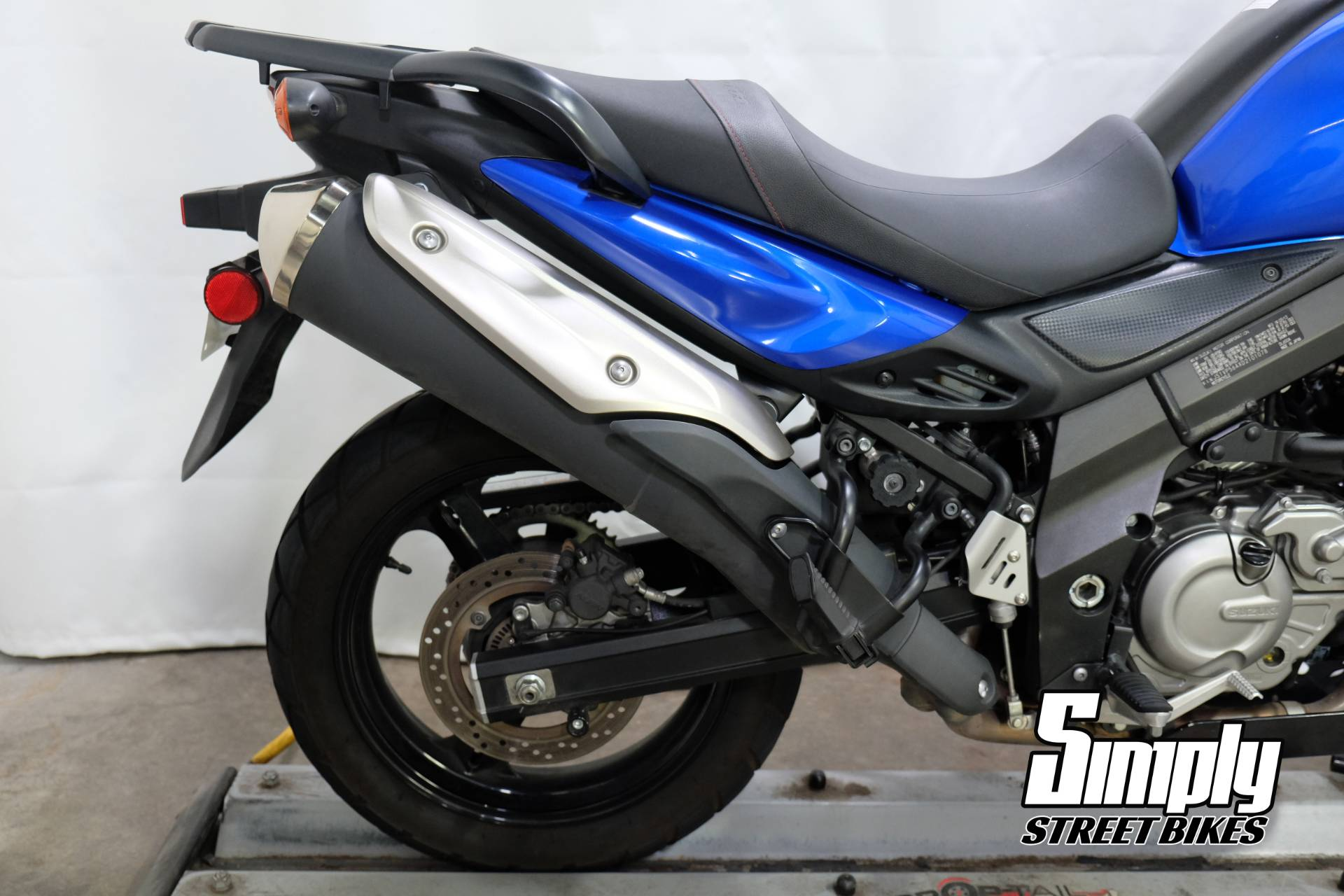 2013 Suzuki V-Strom 650 ABS in Eden Prairie, Minnesota - Photo 15