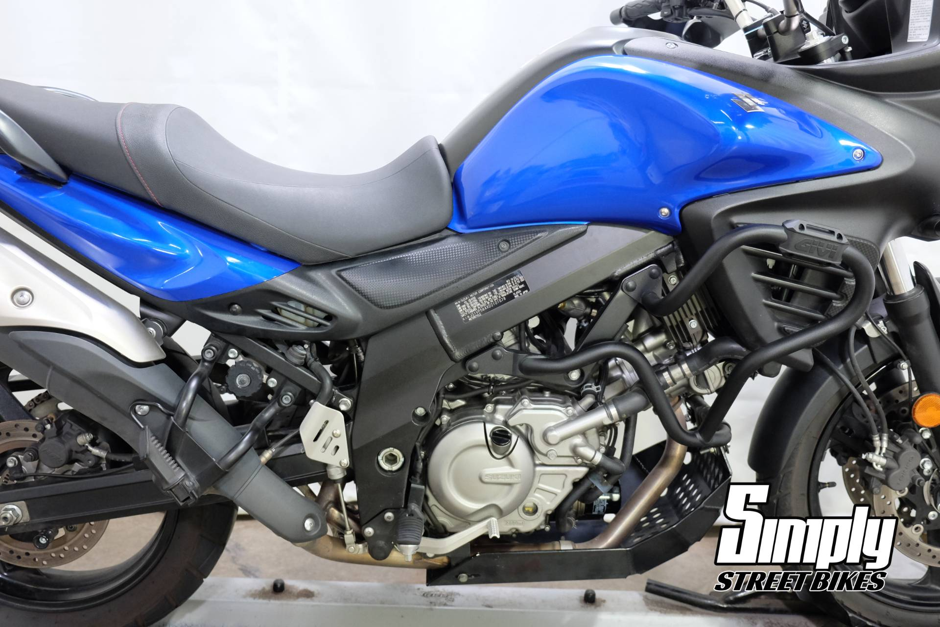 2013 Suzuki V-Strom 650 ABS in Eden Prairie, Minnesota - Photo 16