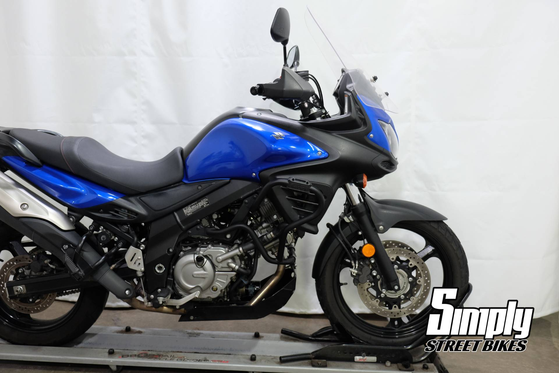 2013 Suzuki V-Strom 650 ABS in Eden Prairie, Minnesota - Photo 17