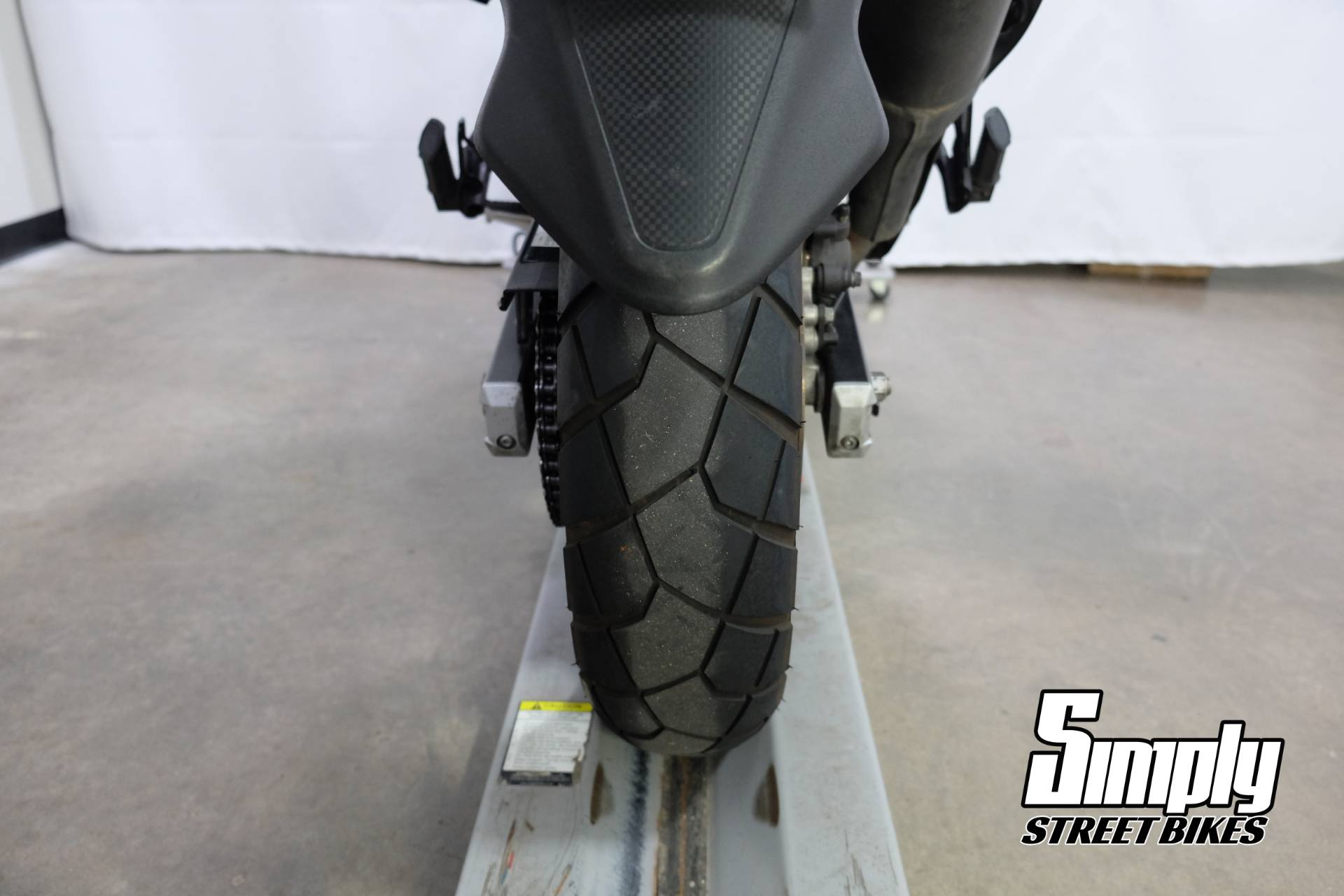 2013 Suzuki V-Strom 650 ABS in Eden Prairie, Minnesota - Photo 28