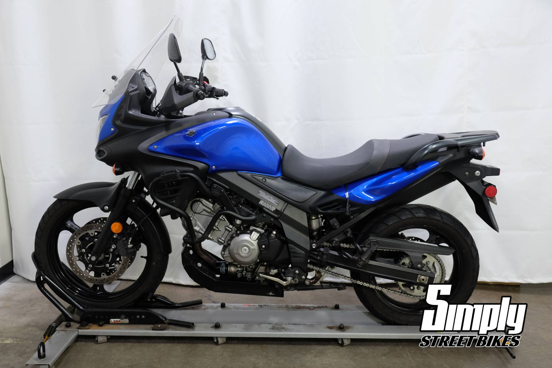 2013 Suzuki V-Strom 650 ABS in Eden Prairie, Minnesota - Photo 5