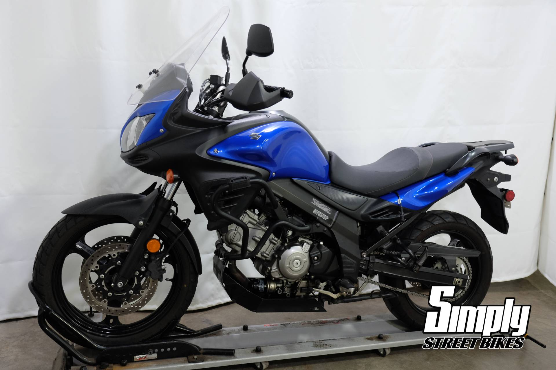 2013 Suzuki V-Strom 650 ABS in Eden Prairie, Minnesota - Photo 4