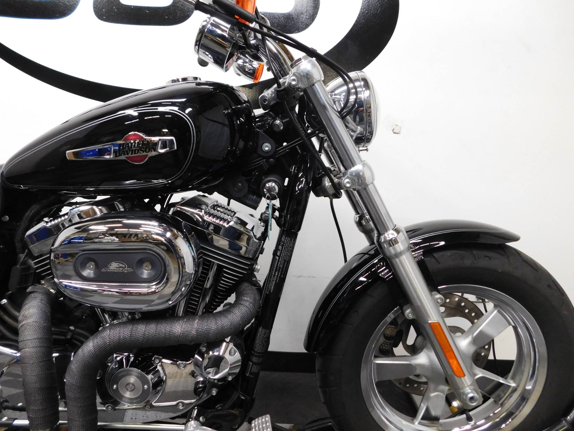 2014 Harley-Davidson 1200 Custom in Eden Prairie, Minnesota - Photo 26