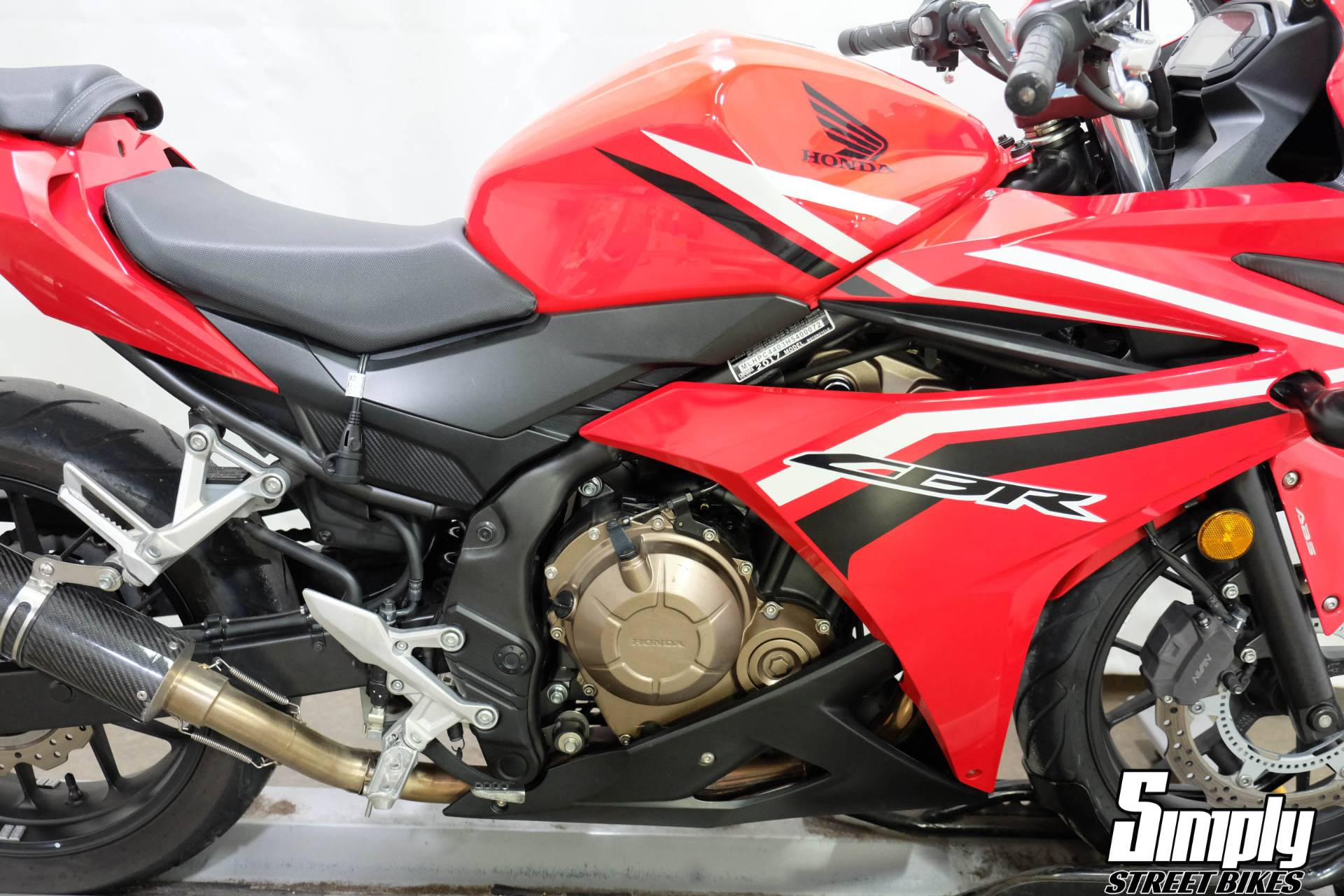 2017 Honda CBR500R in Eden Prairie, Minnesota - Photo 16