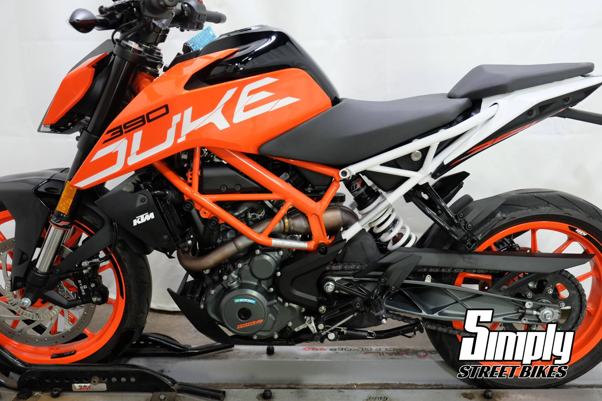 2017 KTM 390 Duke in Eden Prairie, Minnesota - Photo 10