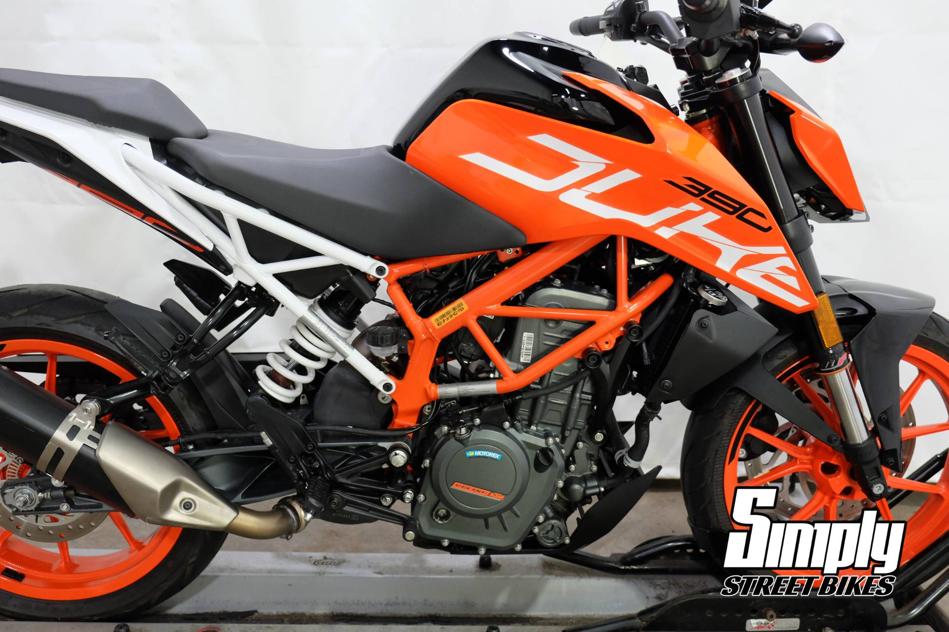 2017 KTM 390 Duke in Eden Prairie, Minnesota - Photo 29