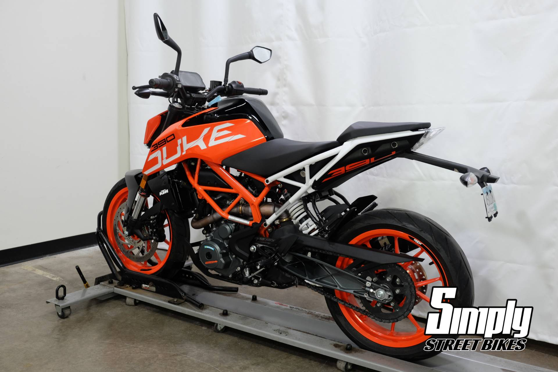 2017 KTM 390 Duke in Eden Prairie, Minnesota - Photo 6